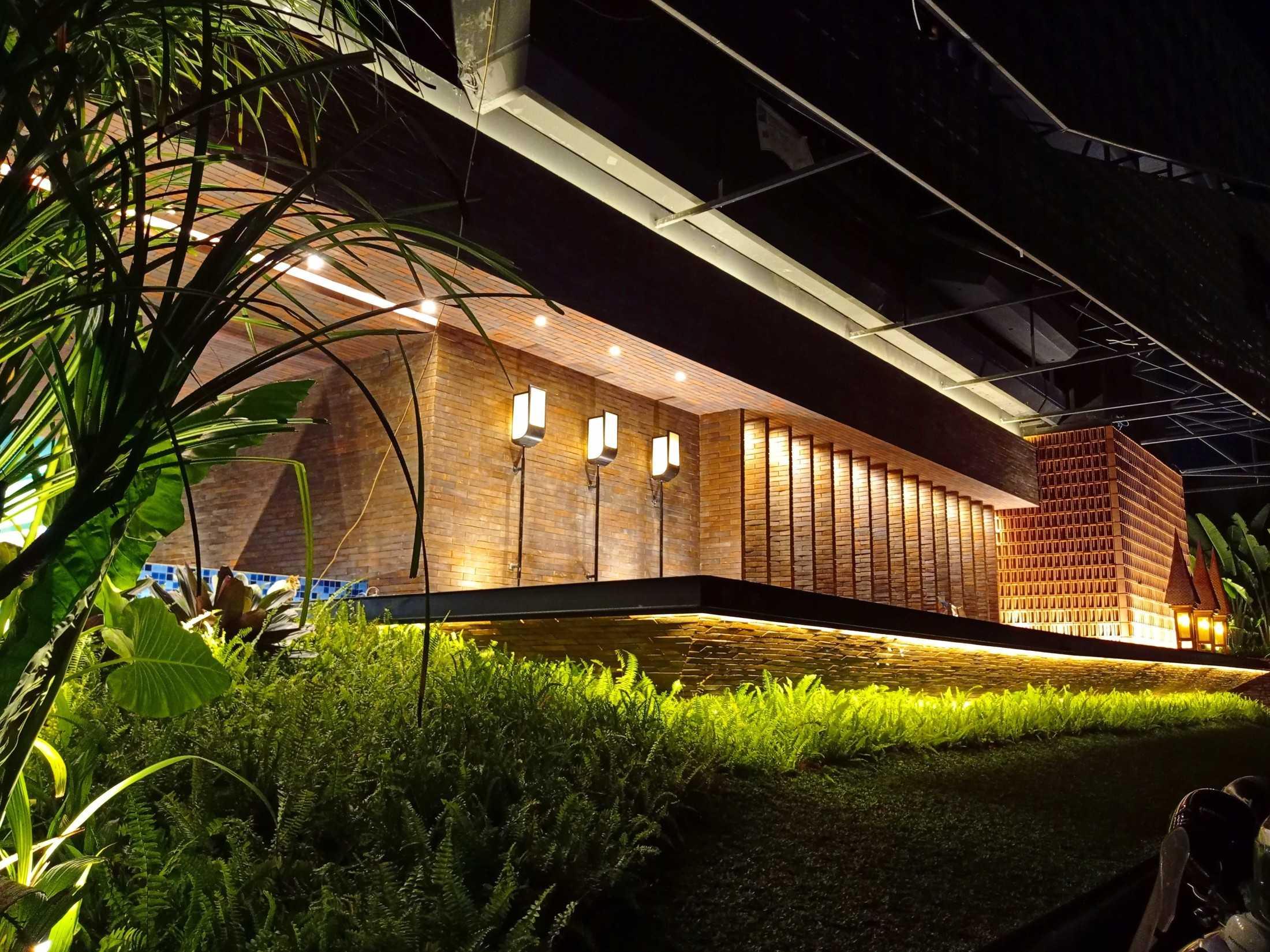 Greenxscape Raacha Suki & Bbq Bogor, Jawa Barat, Indonesia Bogor, Jawa Barat, Indonesia Greenxscape-Raacha-Suki-Bbq Tropical 109860