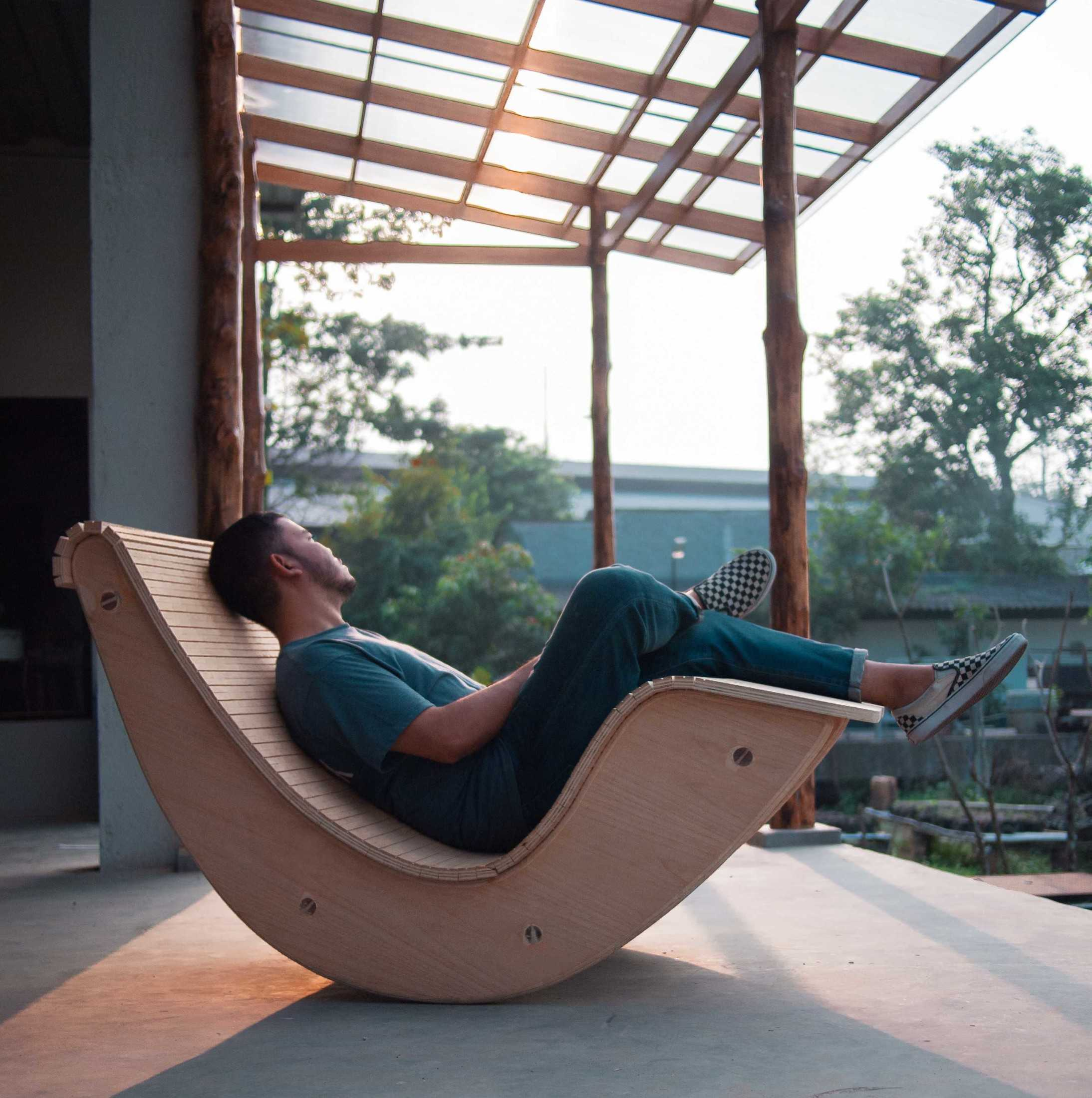 Rootslab Furniture & Craft Project Bekasi, Kota Bks, Jawa Barat, Indonesia Bekasi, Kota Bks, Jawa Barat, Indonesia Rocking Chair Contemporary 113013
