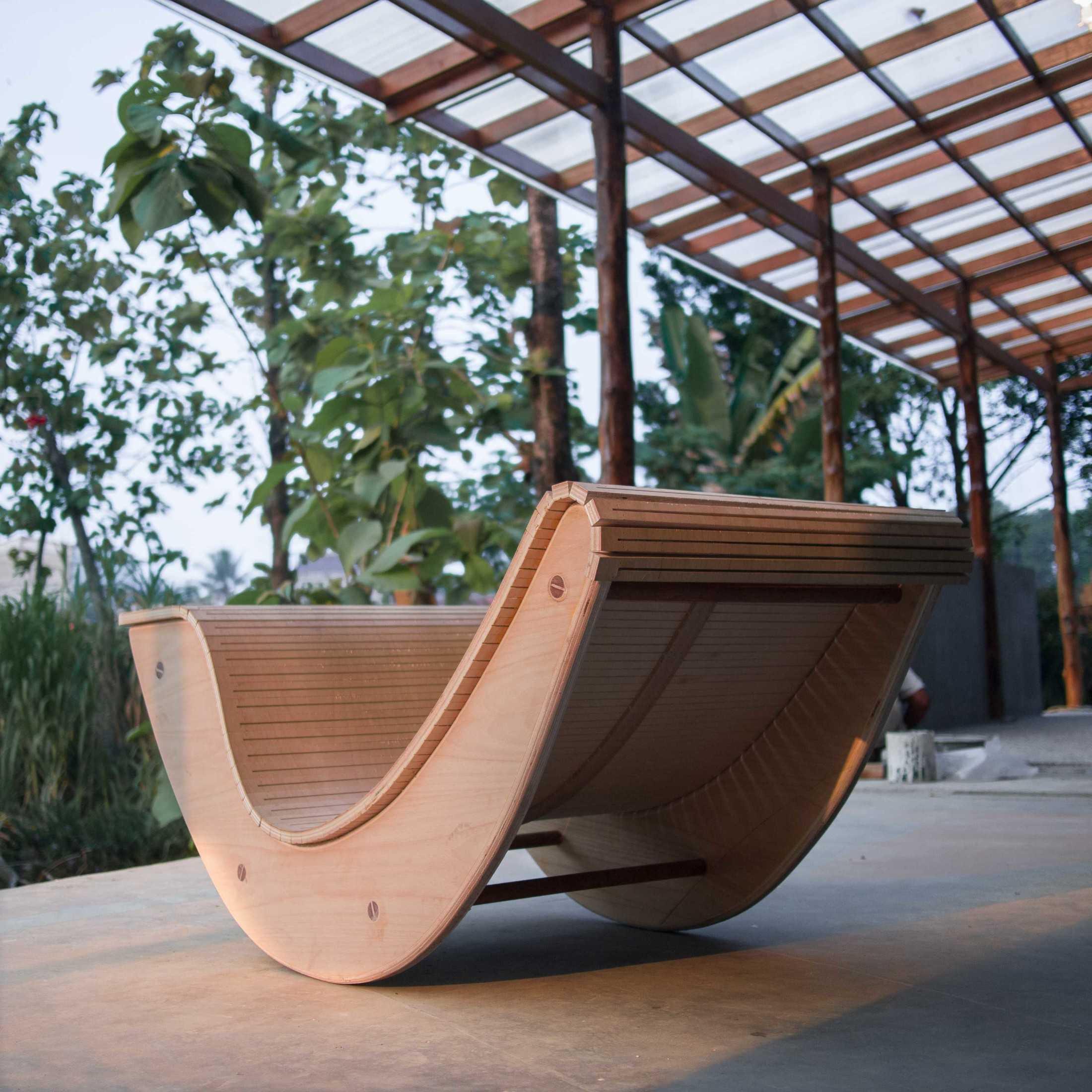 Rootslab Furniture & Craft Project Bekasi, Kota Bks, Jawa Barat, Indonesia Bekasi, Kota Bks, Jawa Barat, Indonesia Rocking Chair  113014