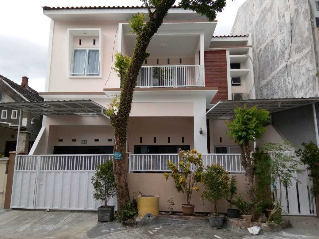 Jasa Design and Build Antosa House Specialist di Jember
