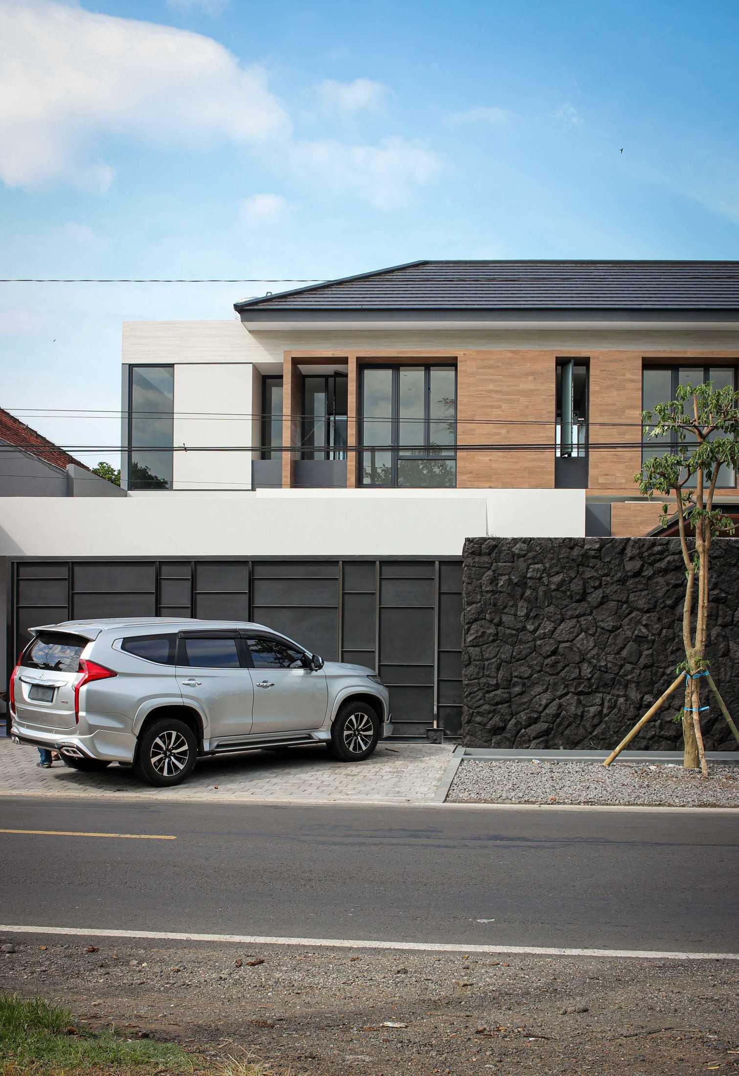 Y0 Design Architect S House Kec. Srono, Kabupaten Banyuwangi, Jawa Timur, Indonesia Kec. Srono, Kabupaten Banyuwangi, Jawa Timur, Indonesia Yohanes-Iswara-Limandjaya-S-House  121068