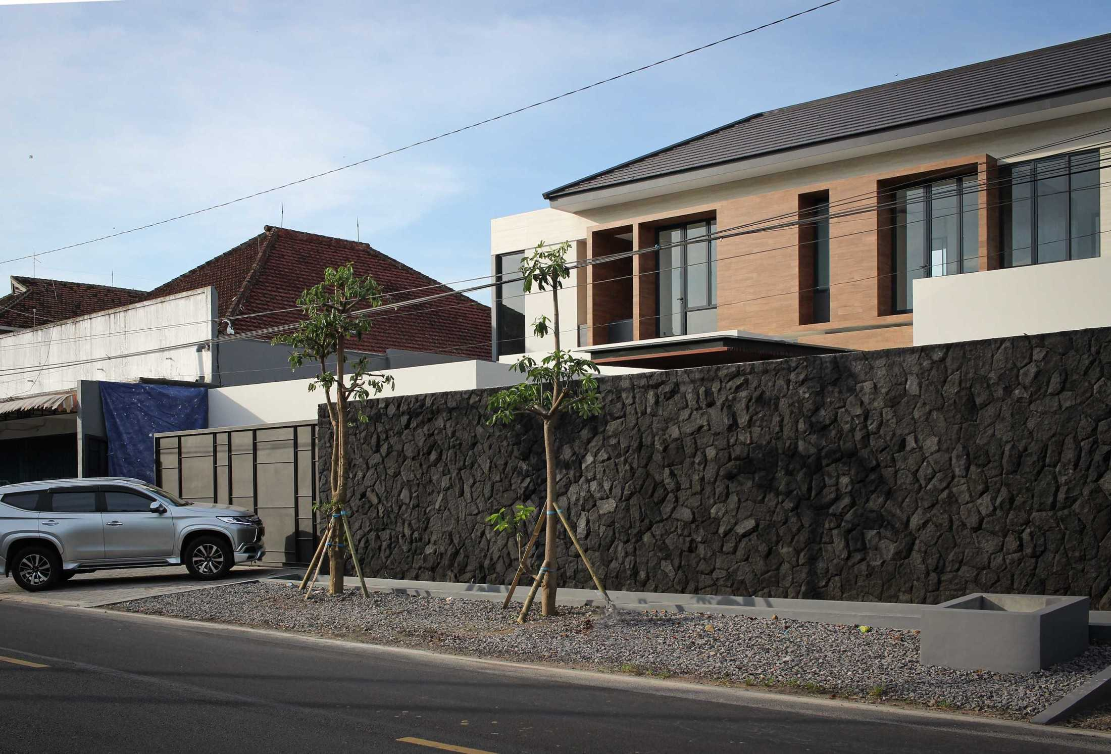 Y0 Design Architect S House Kec. Srono, Kabupaten Banyuwangi, Jawa Timur, Indonesia Kec. Srono, Kabupaten Banyuwangi, Jawa Timur, Indonesia Yohanes-Iswara-Limandjaya-S-House  121072
