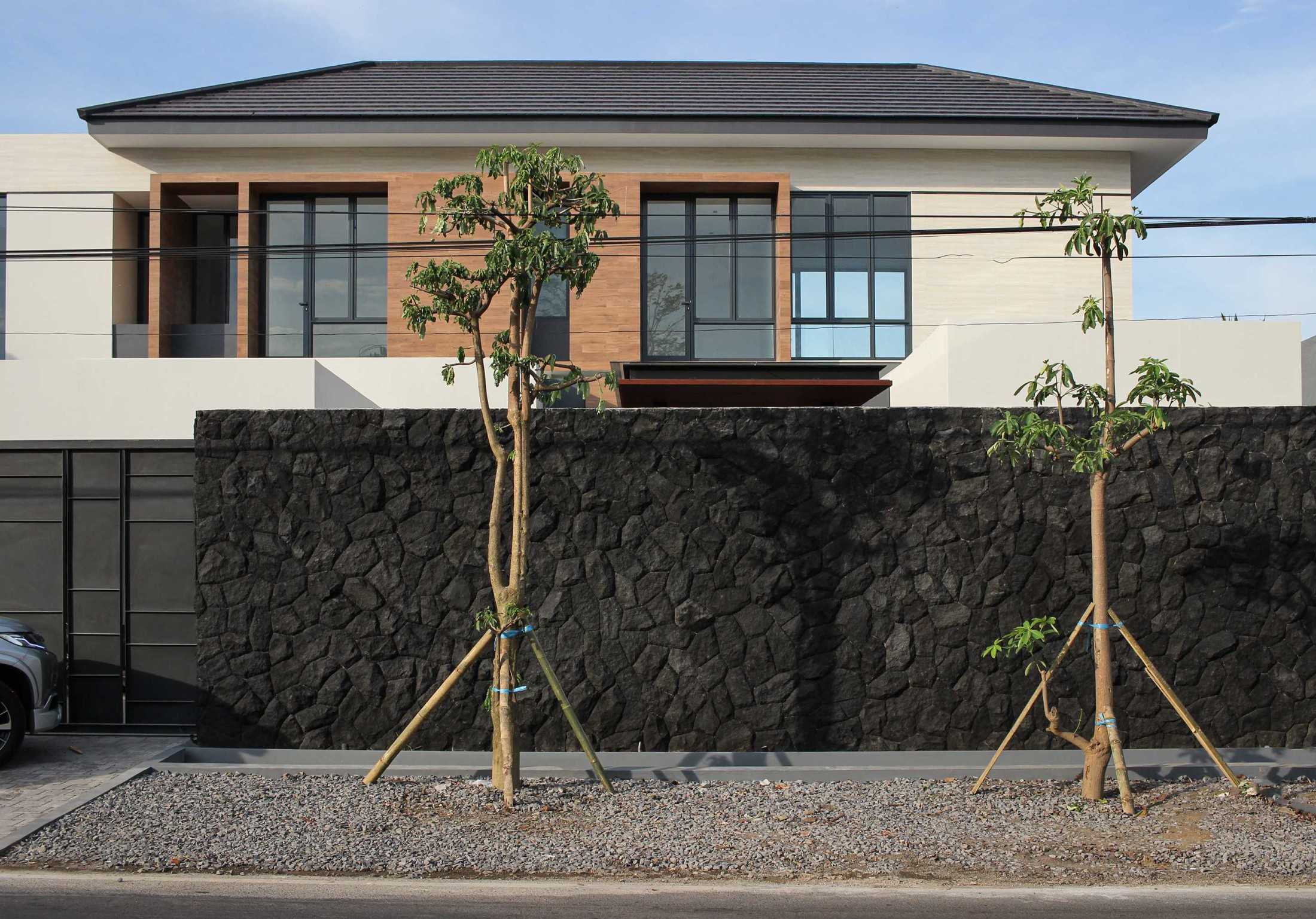 Y0 Design Architect S House Kec. Srono, Kabupaten Banyuwangi, Jawa Timur, Indonesia Kec. Srono, Kabupaten Banyuwangi, Jawa Timur, Indonesia Yohanes-Iswara-Limandjaya-S-House  121076