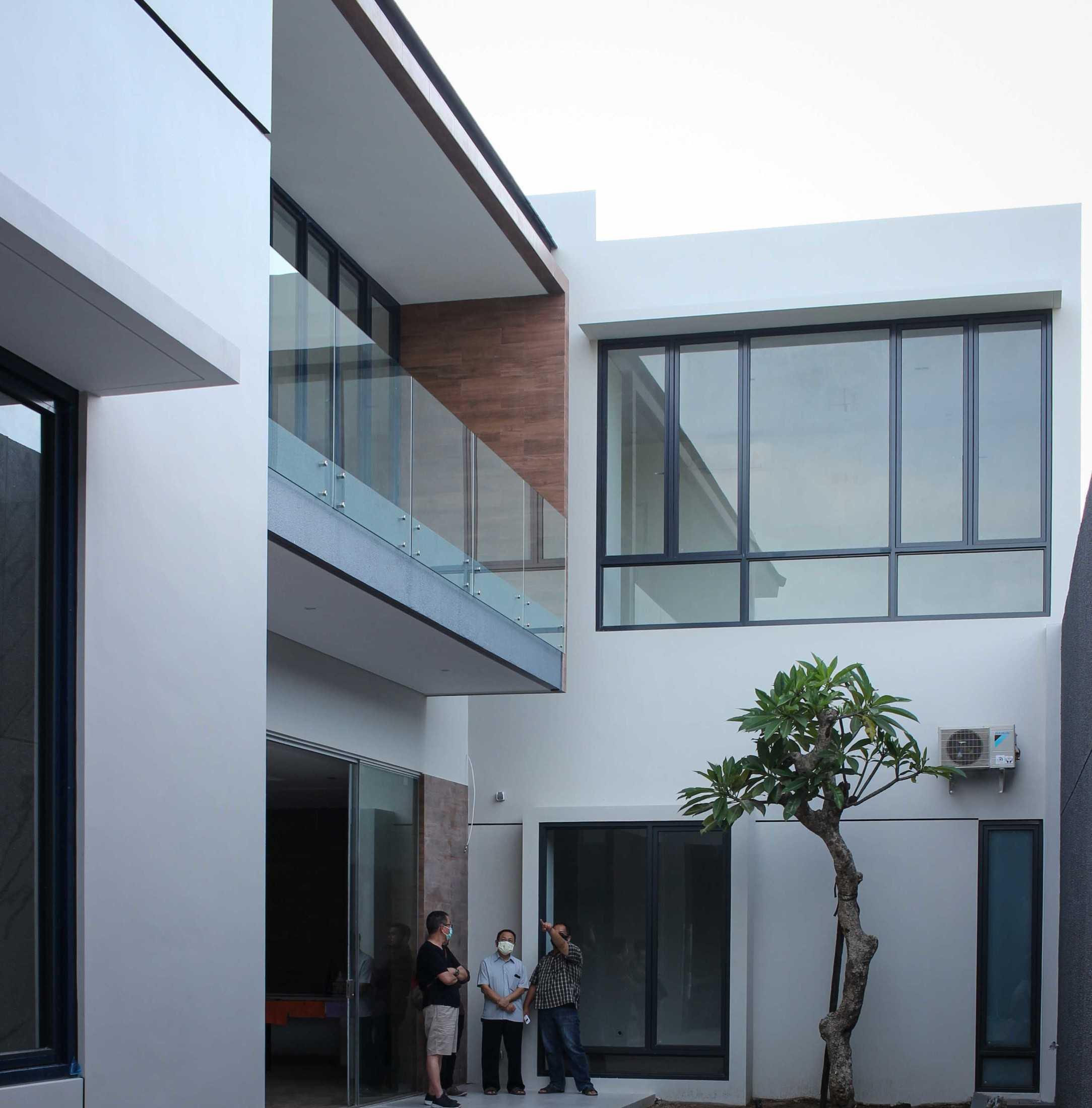 Y0 Design Architect S House Kec. Srono, Kabupaten Banyuwangi, Jawa Timur, Indonesia Kec. Srono, Kabupaten Banyuwangi, Jawa Timur, Indonesia Yohanes-Iswara-Limandjaya-S-House  121084