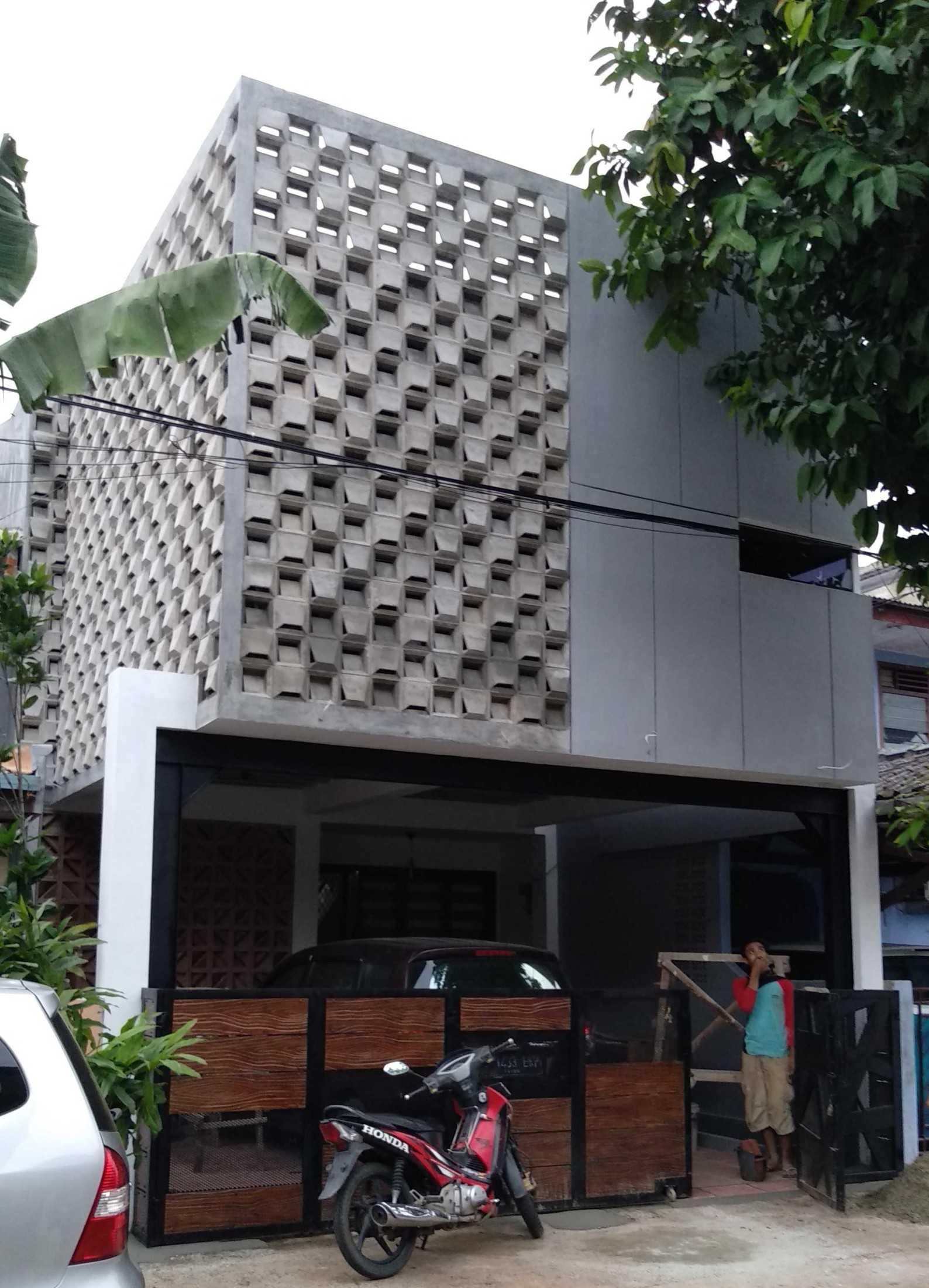Aldesign Bl House A.k.a Balkon Roster Kecamatan Beji, Kota Depok, Jawa Barat, Indonesia Kecamatan Beji, Kota Depok, Jawa Barat, Indonesia Aldesign-Bl-House-Aka-Balkon-Roster  79743