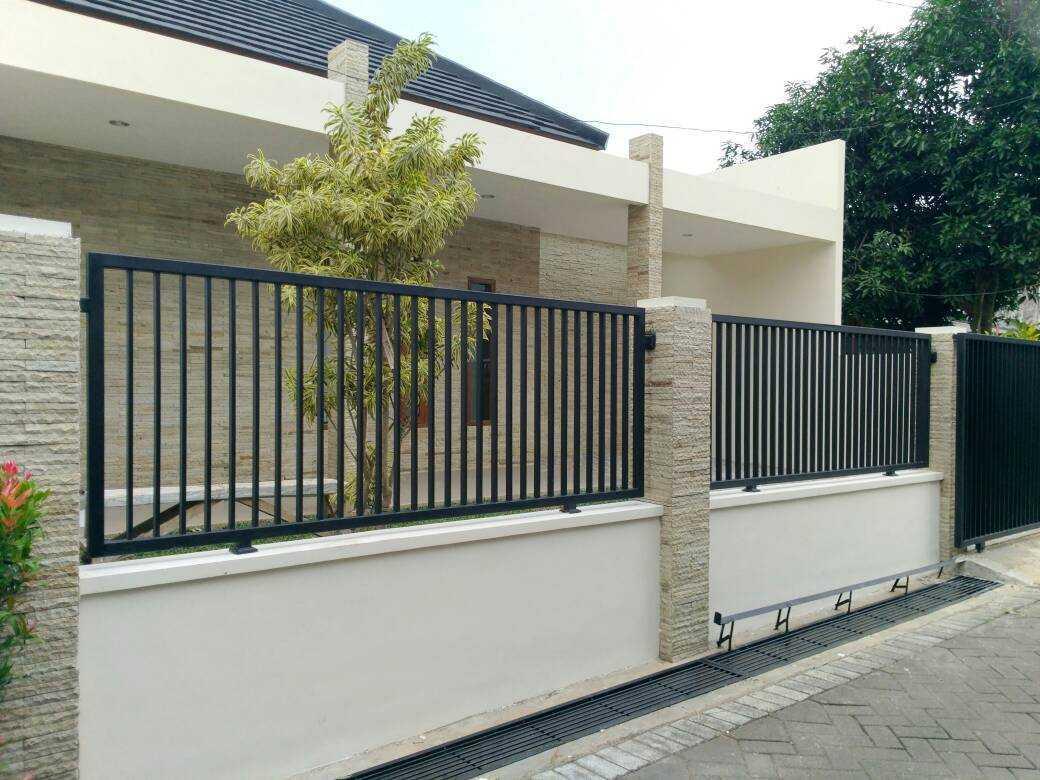 Caraka Konstruksi Rumah Tinggal Bpk. Widya Malang, Kota Malang, Jawa Timur, Indonesia Malang, Kota Malang, Jawa Timur, Indonesia Realisasi Desain  128197