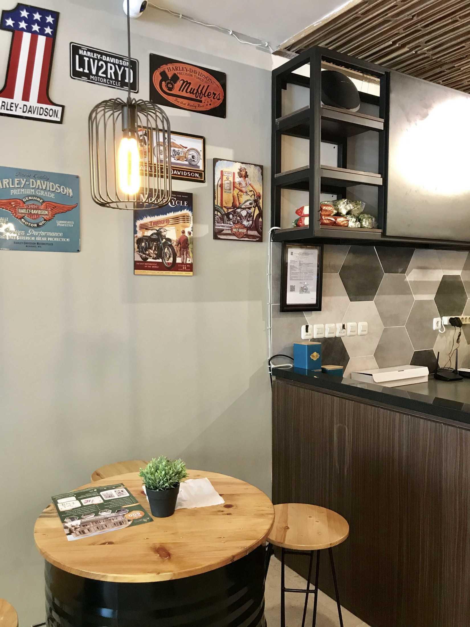 Yulianto Gunawan Basecamp Cafe Surabaya, Kota Sby, Jawa Timur, Indonesia Surabaya, Kota Sby, Jawa Timur, Indonesia Yulianto-Gunawan-Basecamp-Cafe  129052