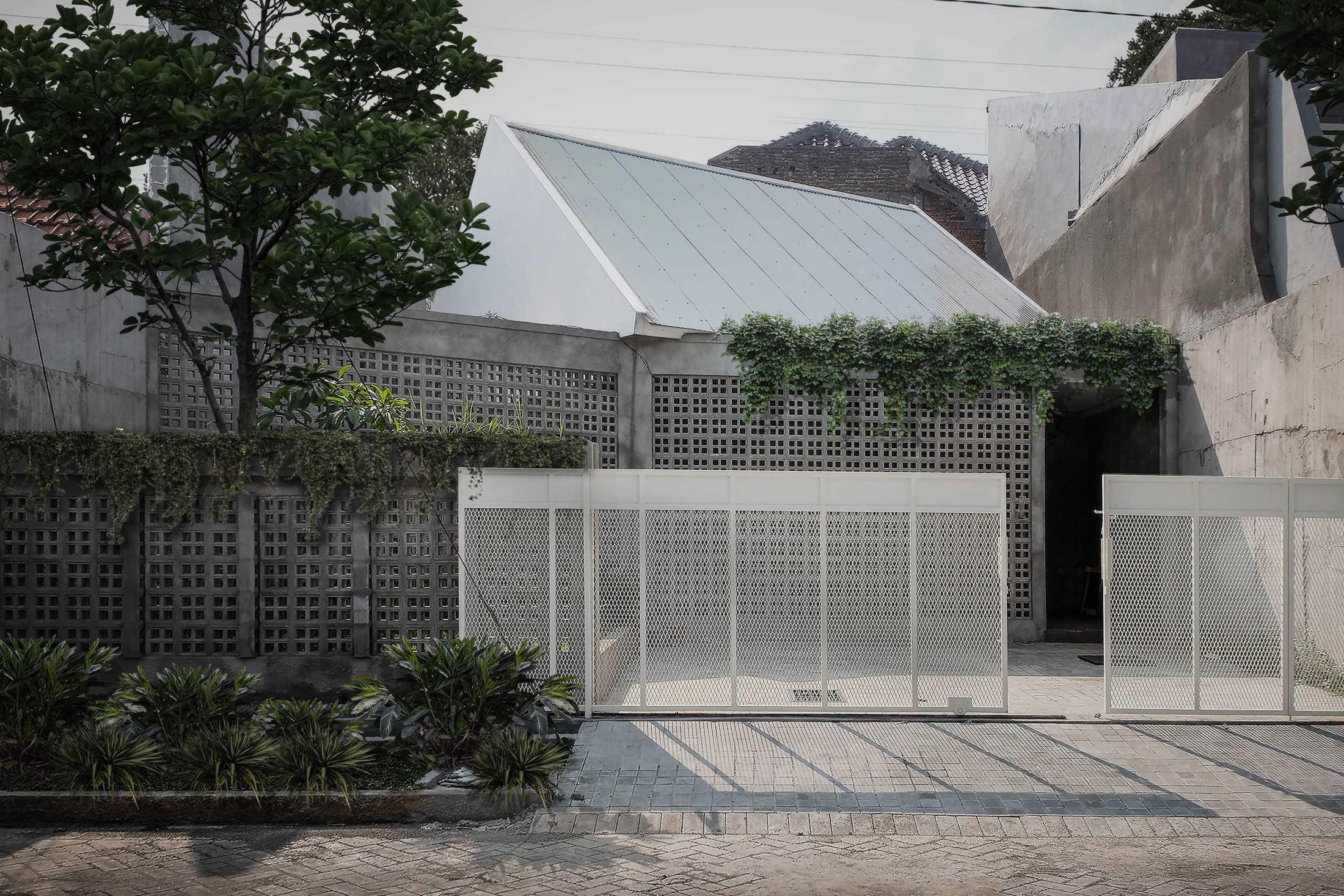 Birka Loci Fa House Surabaya, Kota Sby, Jawa Timur, Indonesia Surabaya, Kota Sby, Jawa Timur, Indonesia Aditya-Wiratama-Architect-Fa-House  89206