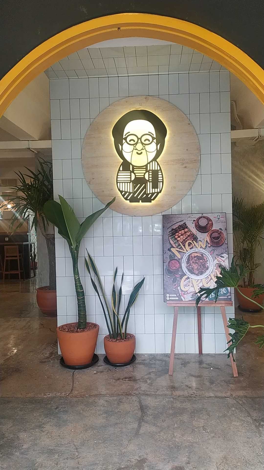 Bito Interior Design N Build Mbok Ndoro & Kopi Tole Sabang Jl. H. Agus Salim, Rt.8/rw.4, Gondangdia, Kec. Menteng, Kota Jakarta Pusat, Daerah Khusus Ibukota Jakarta, Indonesia Jl. H. Agus Salim, Rt.8/rw.4, Gondangdia, Kec. Menteng, Kota Jakarta Pusat, Daerah Khusus Ibukota Jakarta, Indonesia Bito-Interior-Design-N-Build-Mbok-Ndoro-Kopi-Tole-Sabang  90011