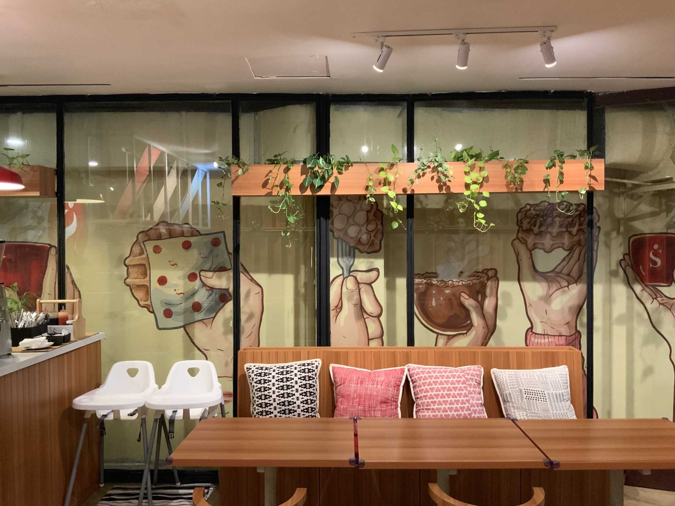 Bito Interior Design N Build Singgah Kitchen & Coffee Jl. Pakubuwono Vi No.2, Rt.1/rw.4, Gunung, Kec. Kby. Baru, Kota Jakarta Selatan, Daerah Khusus Ibukota Jakarta 12120, Indonesia Jl. Pakubuwono Vi No.2, Rt.1/rw.4, Gunung, Kec. Kby. Baru, Kota Jakarta Selatan, Daerah Khusus Ibukota Jakarta 12120, Indonesia Bito-Interior-Design-N-Build-Singgah-Kitchen-Coffee  90042