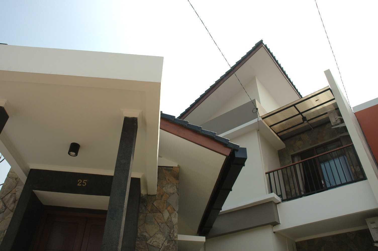 Triplus Homes Es House Rempoa, Ciputat Tim., Kota Tangerang Selatan, Banten, Indonesia Rempoa, Ciputat Tim., Kota Tangerang Selatan, Banten, Indonesia Triplus-Homes-Es-House  56612