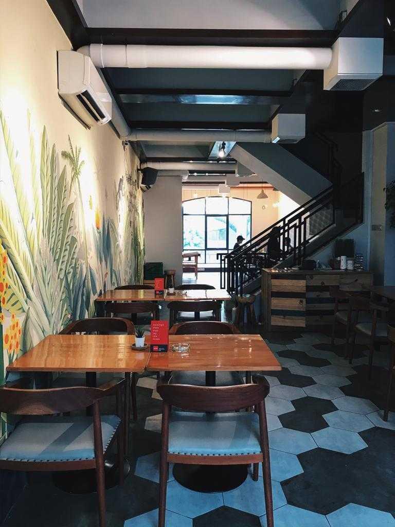 Renovatio.dc Hideout Cafe & Lounge Gading Serpong, Jl. Boulevard Raya Gading Serpong, Klp. Dua, Kec. Klp. Dua, Tangerang, Banten 15810, Indonesia Gading Serpong, Jl. Boulevard Raya Gading Serpong, Klp. Dua, Kec. Klp. Dua, Tangerang, Banten 15810, Indonesia Renovatiodc-Hideout-Cafe-Lounge  110258