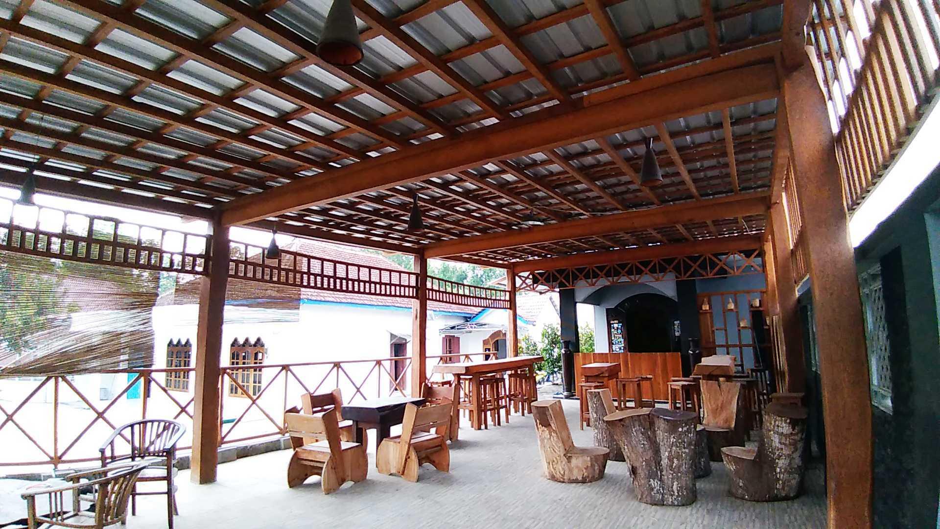 Epicnesia Architect Warung Mbok Ti Malang, Jawa Timur, Indonesia Kediri, Jawa Timur, Indonesia Aditya-Yuni-Prasetya-Bakso-Tiga-Berlian  64300