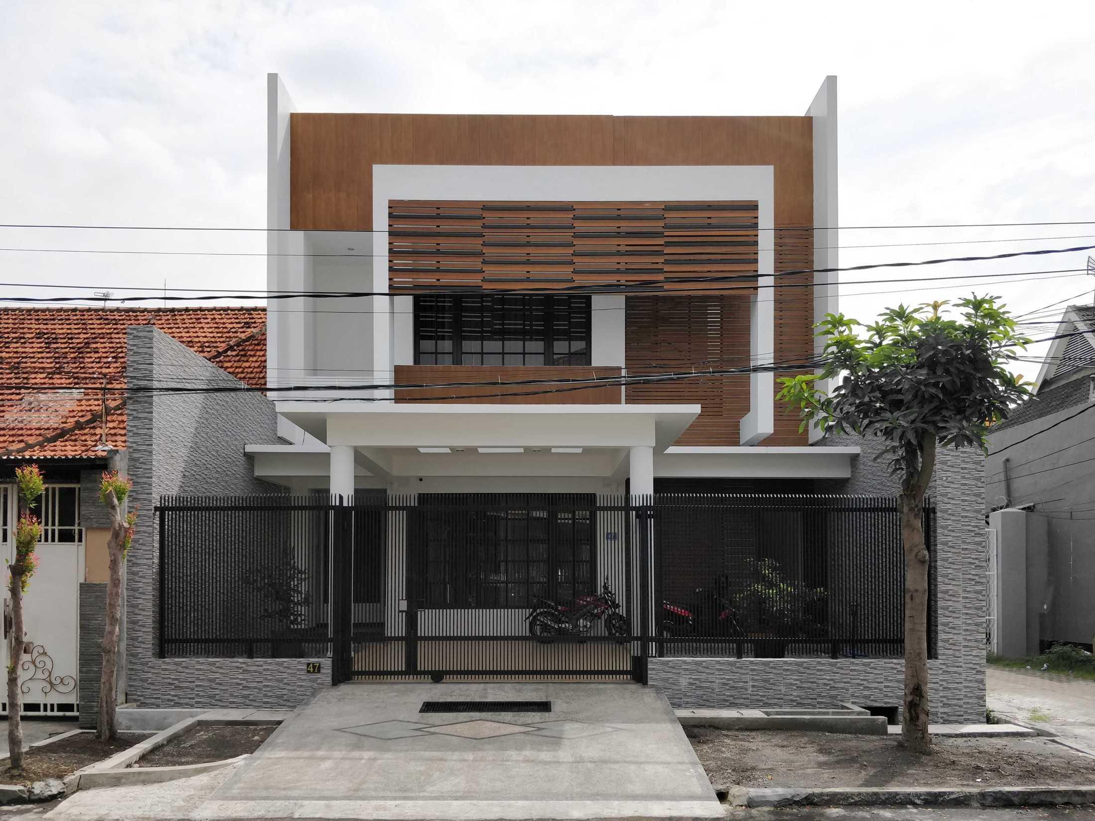 Bramasta Redy Rumah Seruni Surabaya, Kota Sby, Jawa Timur, Indonesia Surabaya, Kota Sby, Jawa Timur, Indonesia Bramasta-Redy-Rumah-Seruni  94617