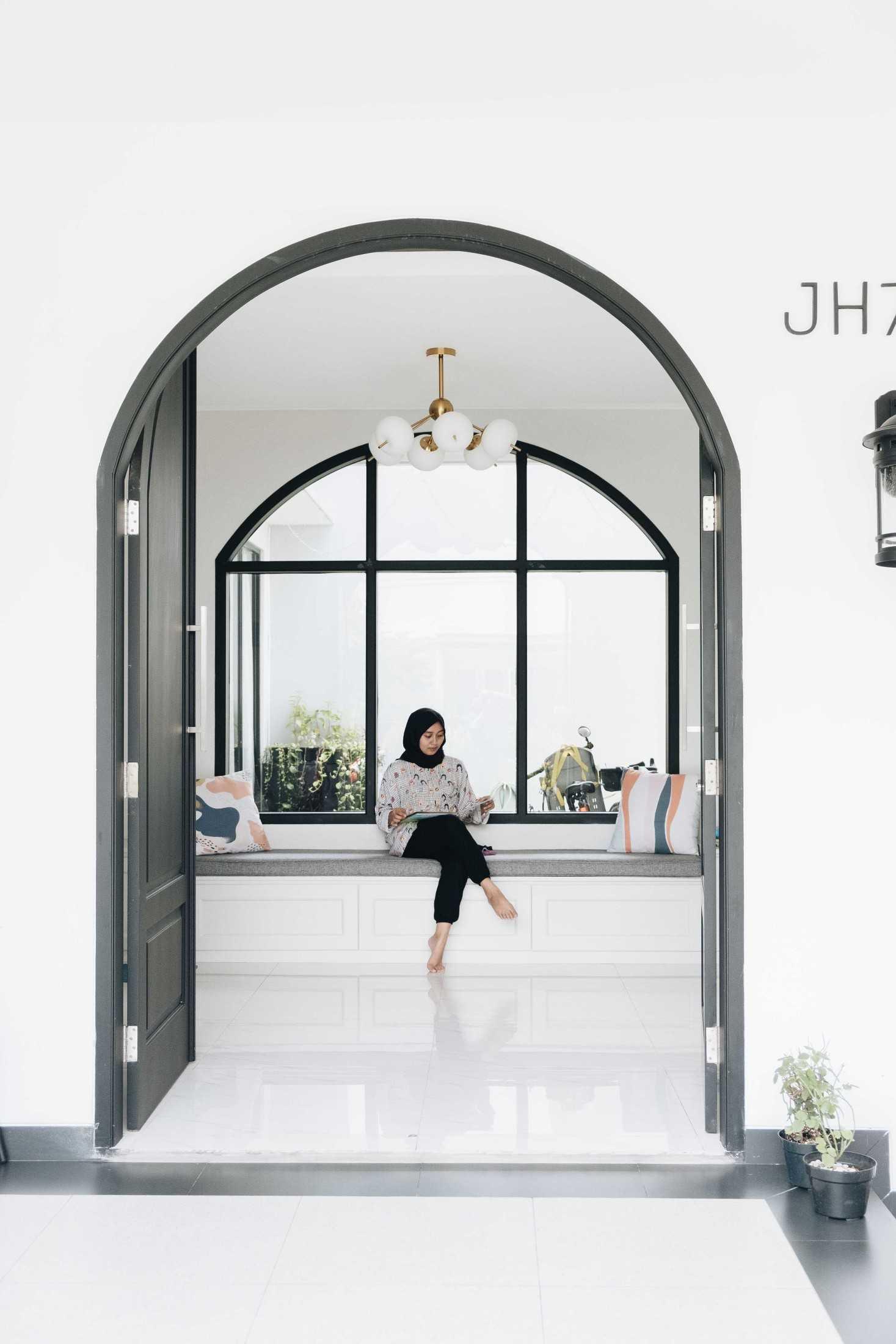 Kad Firma Arsitektur Rumah Clayu Jakarta, Daerah Khusus Ibukota Jakarta, Indonesia Jakarta, Daerah Khusus Ibukota Jakarta, Indonesia Rumah Clayu - Entrance Classic 127670