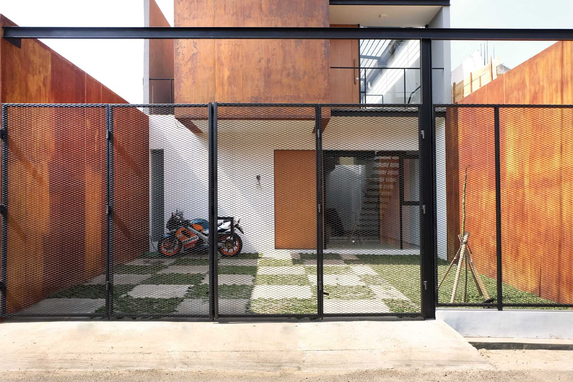 Dica Selaras 105 House Antapani, Kota Bandung, Jawa Barat, Indonesia Antapani, Kota Bandung, Jawa Barat, Indonesia Dica-Selaras-105-House  62314