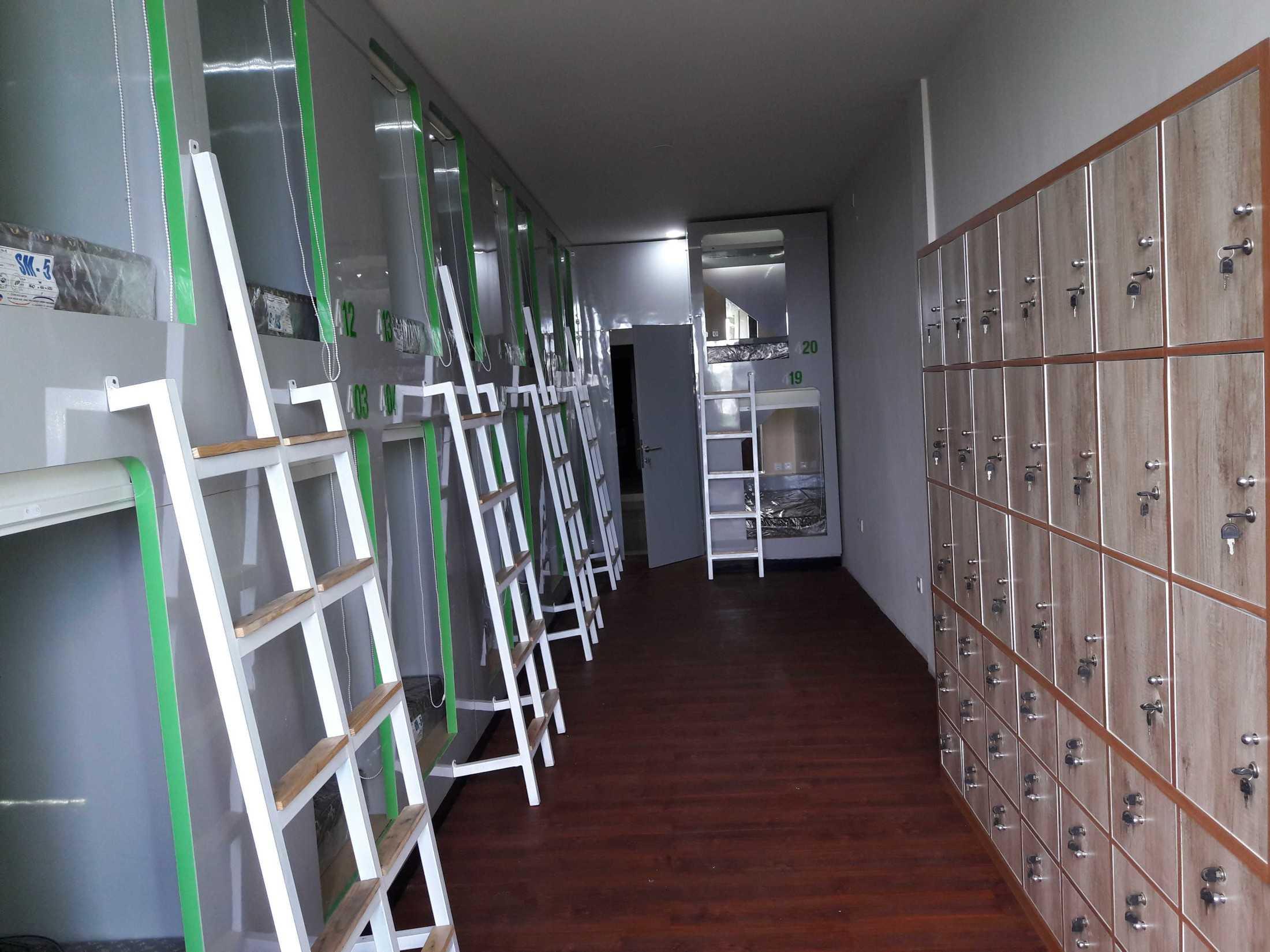 Metom Design Hotel Kapsul Kotak Malang, Kota Malang, Jawa Timur, Indonesia Malang, Kota Malang, Jawa Timur, Indonesia Metom-Design-Hotel-Kapsul-Kotak  98956