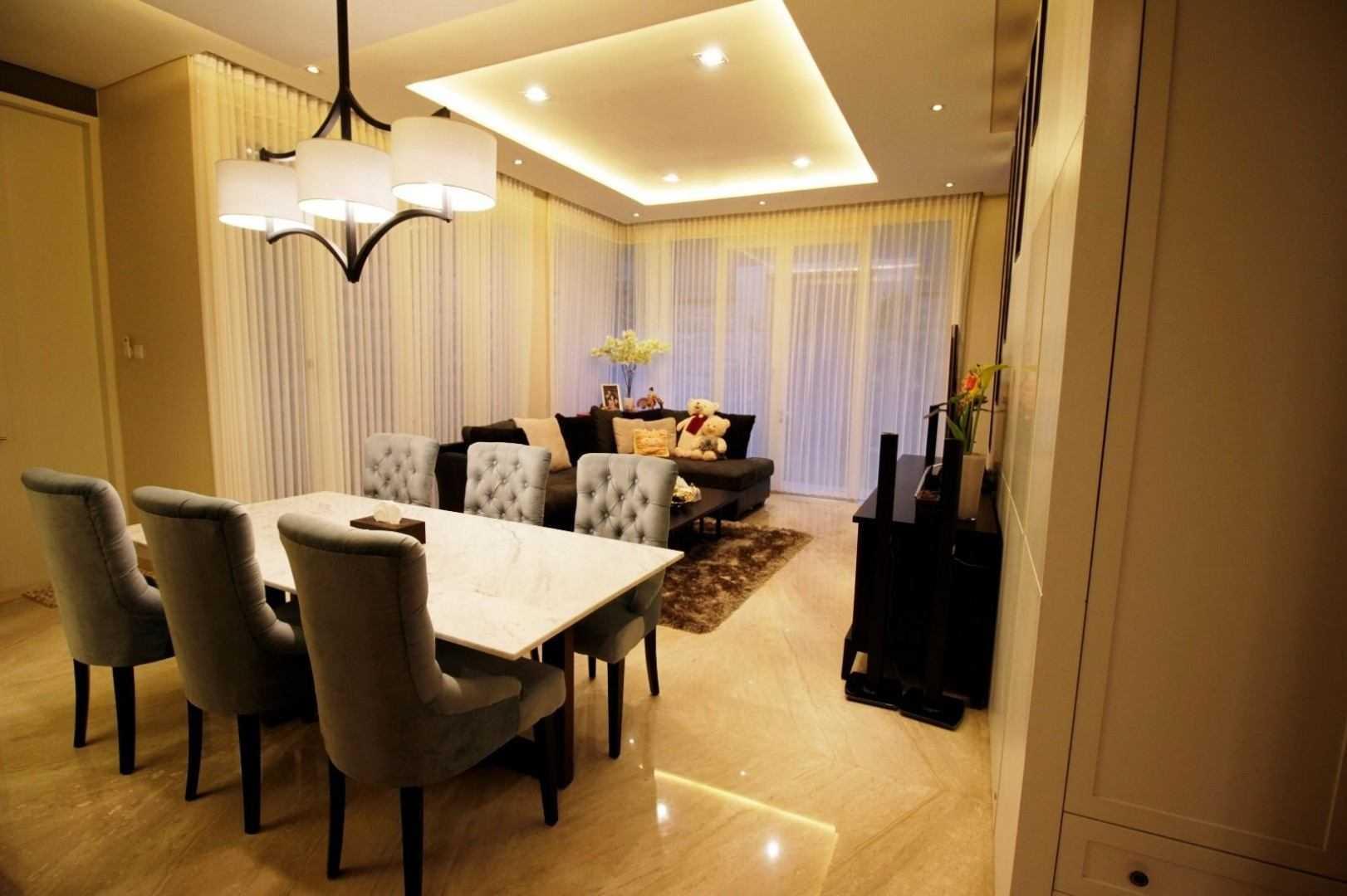 Kottagaris Interior Design Consultant Mr L Residence Surabaya, Kota Sby, Jawa Timur, Indonesia Surabaya, Kota Sby, Jawa Timur, Indonesia Dining Room Klasik 54613