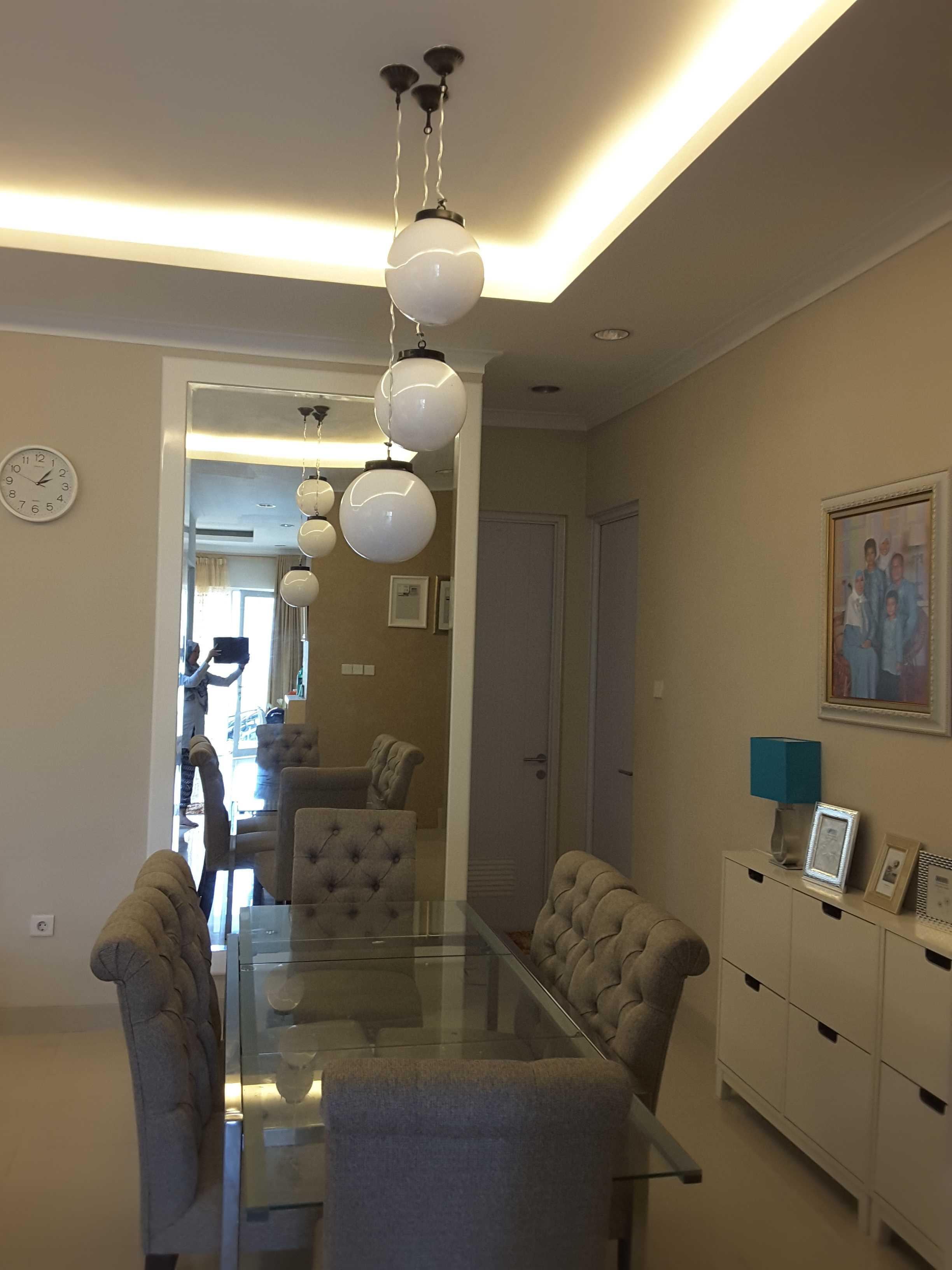 Vaastu Studio Monochrome Interior House At Tambun Bekasi Bekasi Dining Room   26495