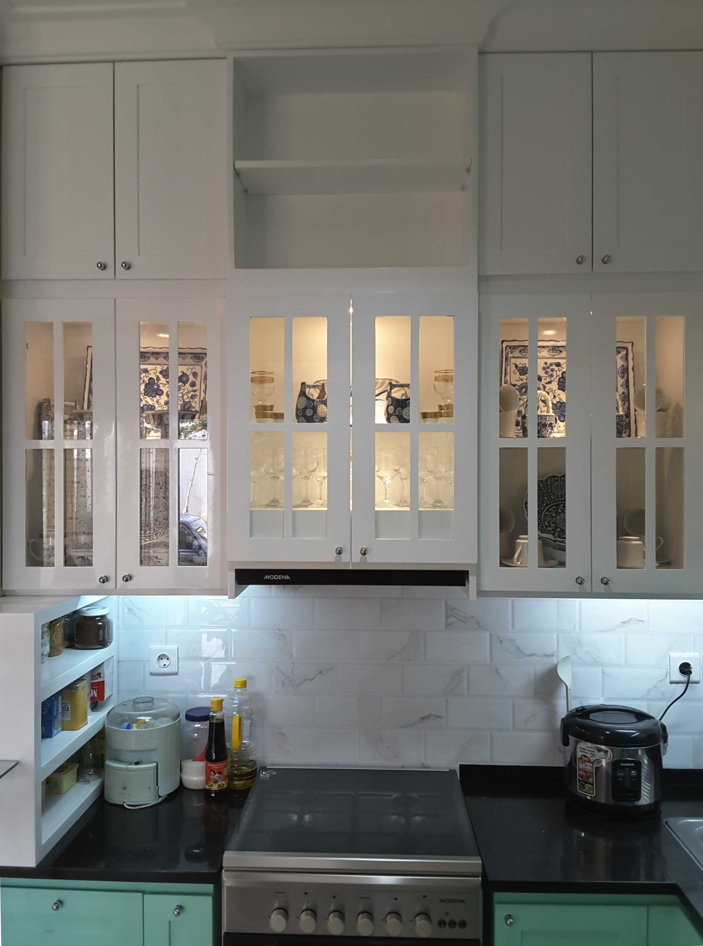 Vaastu Studio Monochrome Interior House At Tambun Bekasi Bekasi Kitchen   26507