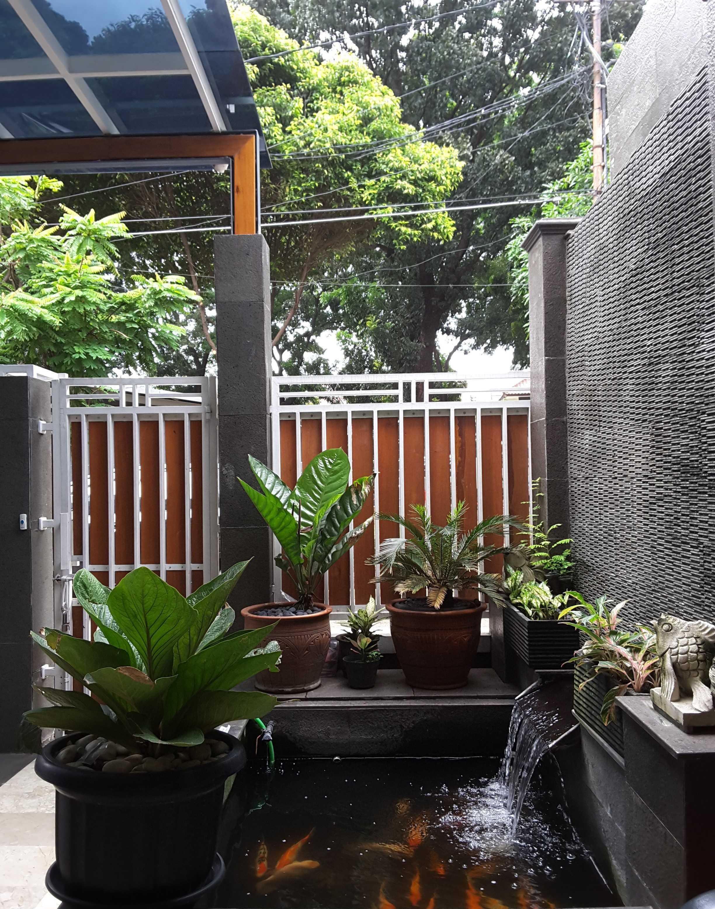 Vaastu Studio     House Park Renovation - Slipi. West Jakarta Slipi . Jakarta Barat - Jakarta . Indonesia Slipi . Jakarta Barat - Jakarta . Indonesia Fish Pond   26523