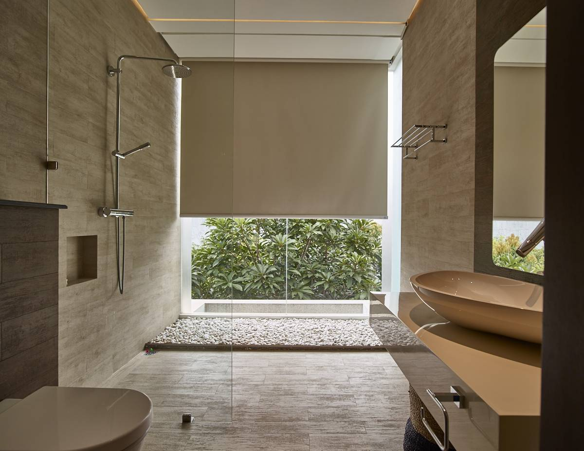 Raw Architecture Kembang Murni House West Jakarta, Indonesia West Jakarta, Indonesia Bathroom   1601