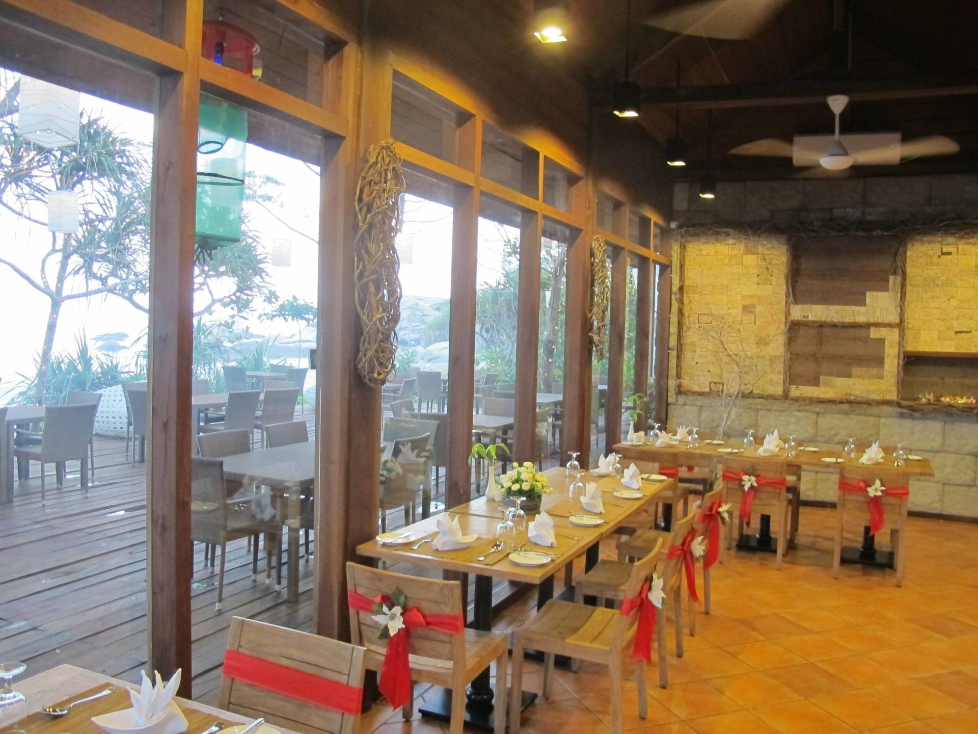Raw Architecture Arumdalu Belitung Belitung Restaurant Tropis  1634