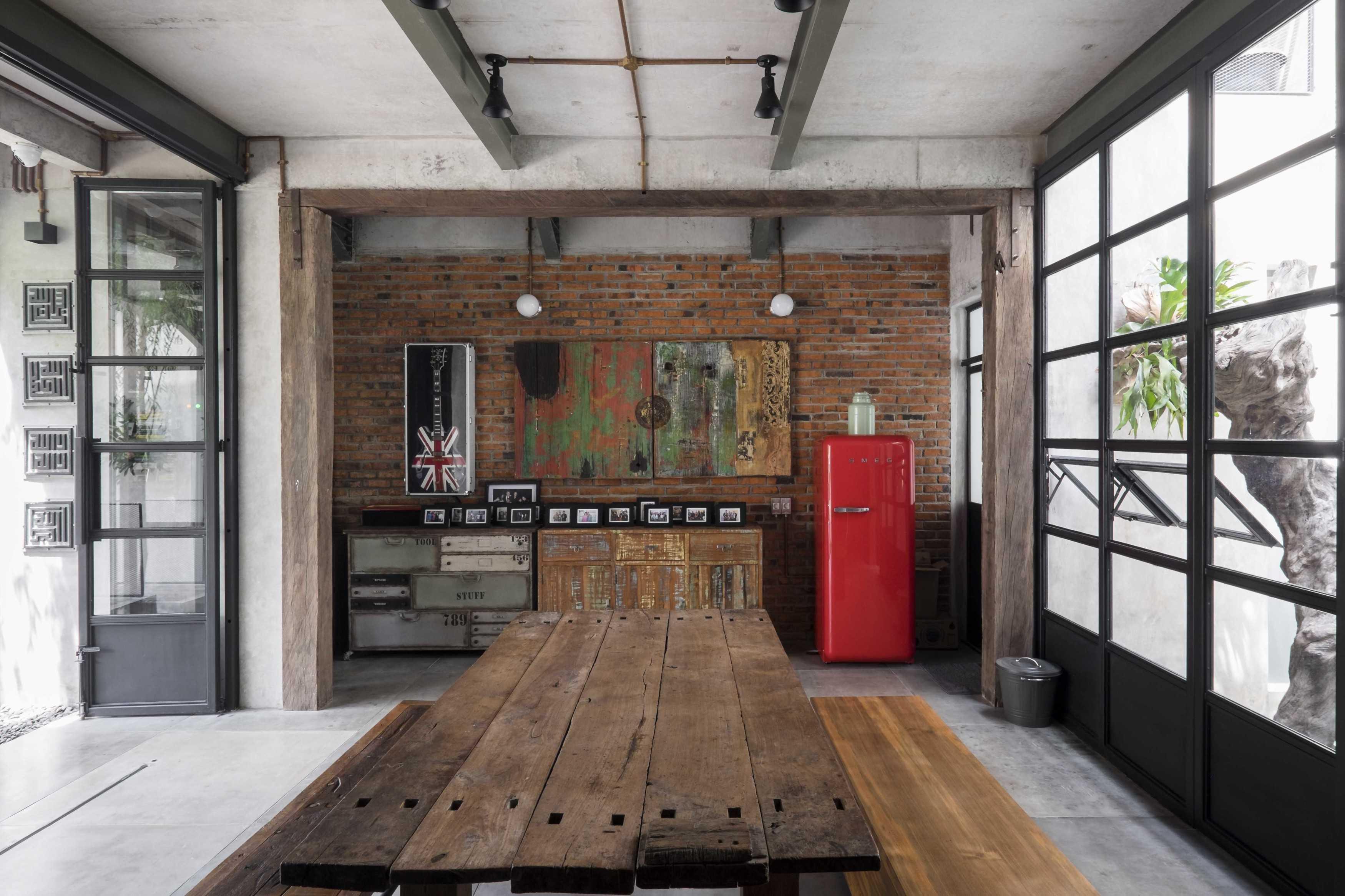 Bitte Design Studio Aa Residence Cimanggis, Indonesia Cimanggis, Indonesia Interior View Industrial  23129