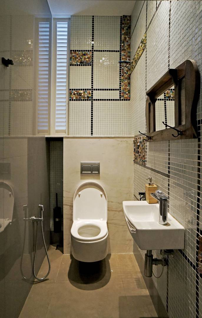 Sonny Sutanto Architects Sonny Sutanto Architects New Office Sunter, North Jakarta, Indonesia Sunter, North Jakarta, Indonesia Toilet  <P>Employee's Toilet With Handmade Mozaic Composition.</p> 2095