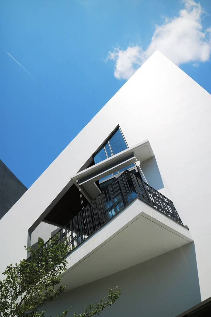 Sonny Sutanto Architects Sonny Sutanto Architects New Office Sunter, North Jakarta, Indonesia Sunter, North Jakarta, Indonesia Facade   2097
