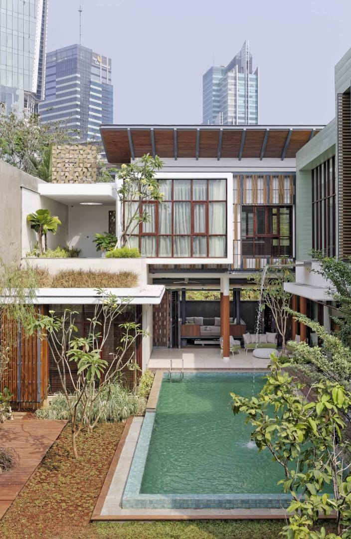 Atelier Cosmas Gozali Denpasar Residence At Kuningan Jakarta, Indonesia Jakarta, Indonesia Backyard View  <P>Photo By Fernando Gomulya</p> 2284