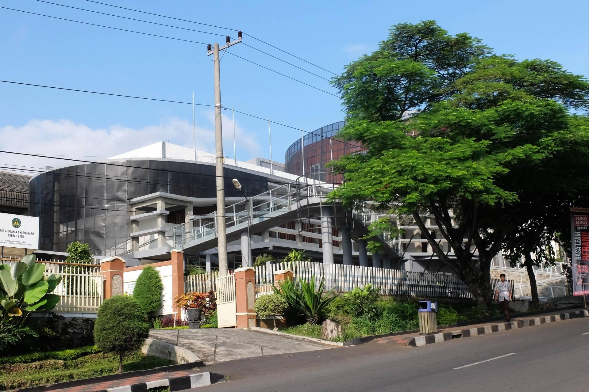 Haris Wibisono, Iai Veteran Building At Kota Batu Malang, East Java, Indonesia Malang, East Java, Indonesia Exterior-2   2527