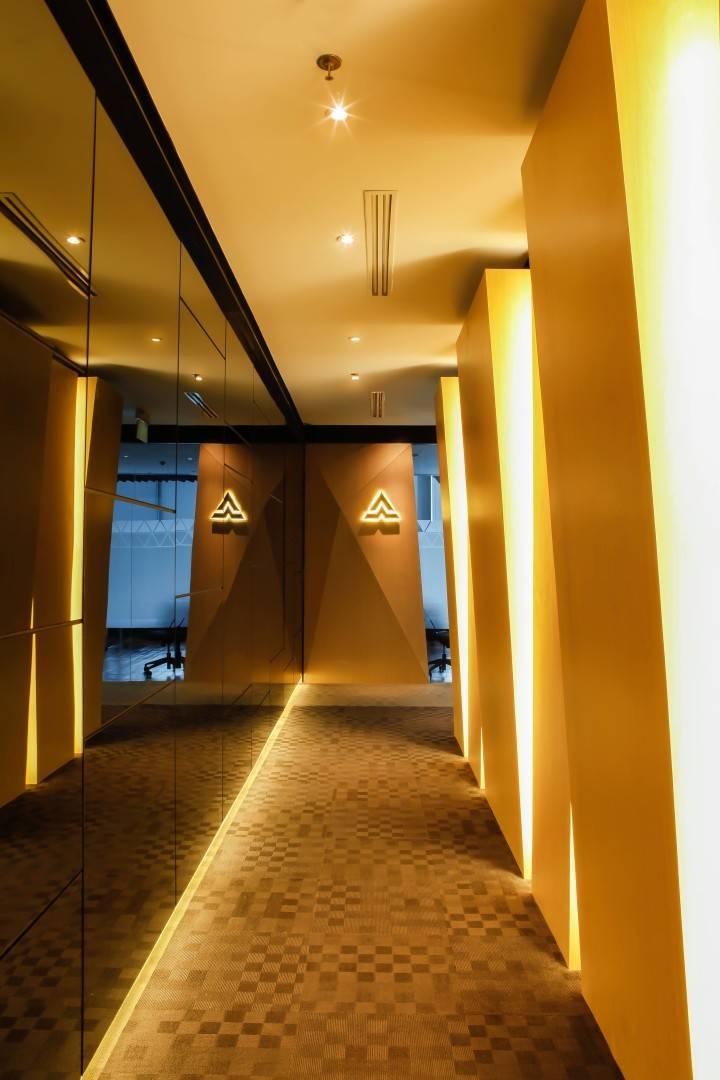 Design Intervention Antam Niterra Haltim Office At Dbs Tower Kuningan Jakarta, Indonesia Jakarta, Indonesia Corridor Minimalis,modern,glass  2605