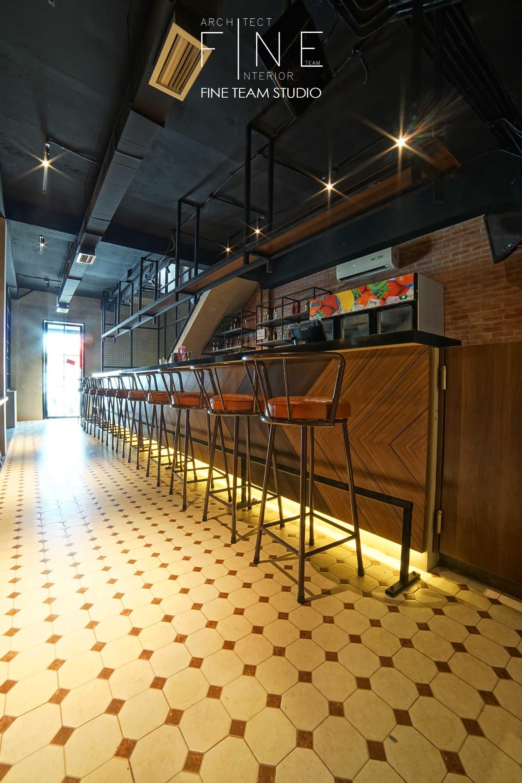 Fine Team Studio Ibza's Bar & Lounge Klp. Gading, Kota Jkt Utara, Daerah Khusus Ibukota Jakarta, Indonesia Klp. Gading, Kota Jkt Utara, Daerah Khusus Ibukota Jakarta, Indonesia Seating Area Bar Industrial  53066