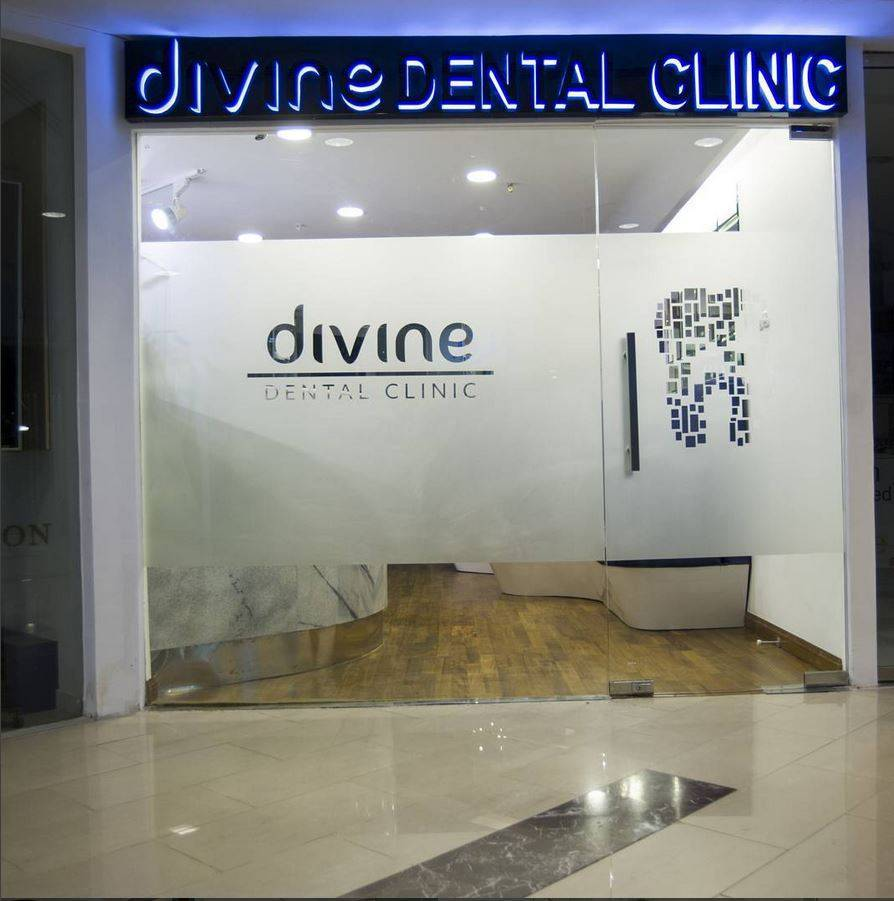 Tau Architect Divine Dental Wtc 3 Wtc 3 Front View Kontemporer  4816