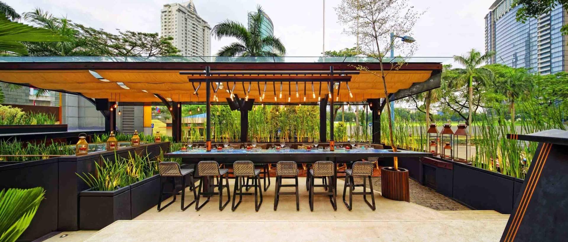 Leo Einstein Fransiscus Bottega Ristorante Mega Kuningan Mega Kuningan Seating Area Restaurant   7832