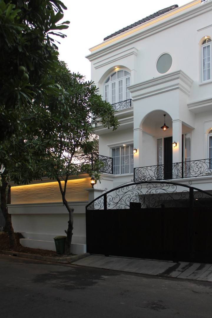 Nico Gowindra He-House Villa Pondok Indah Villa Pondok Indah Facade   3808