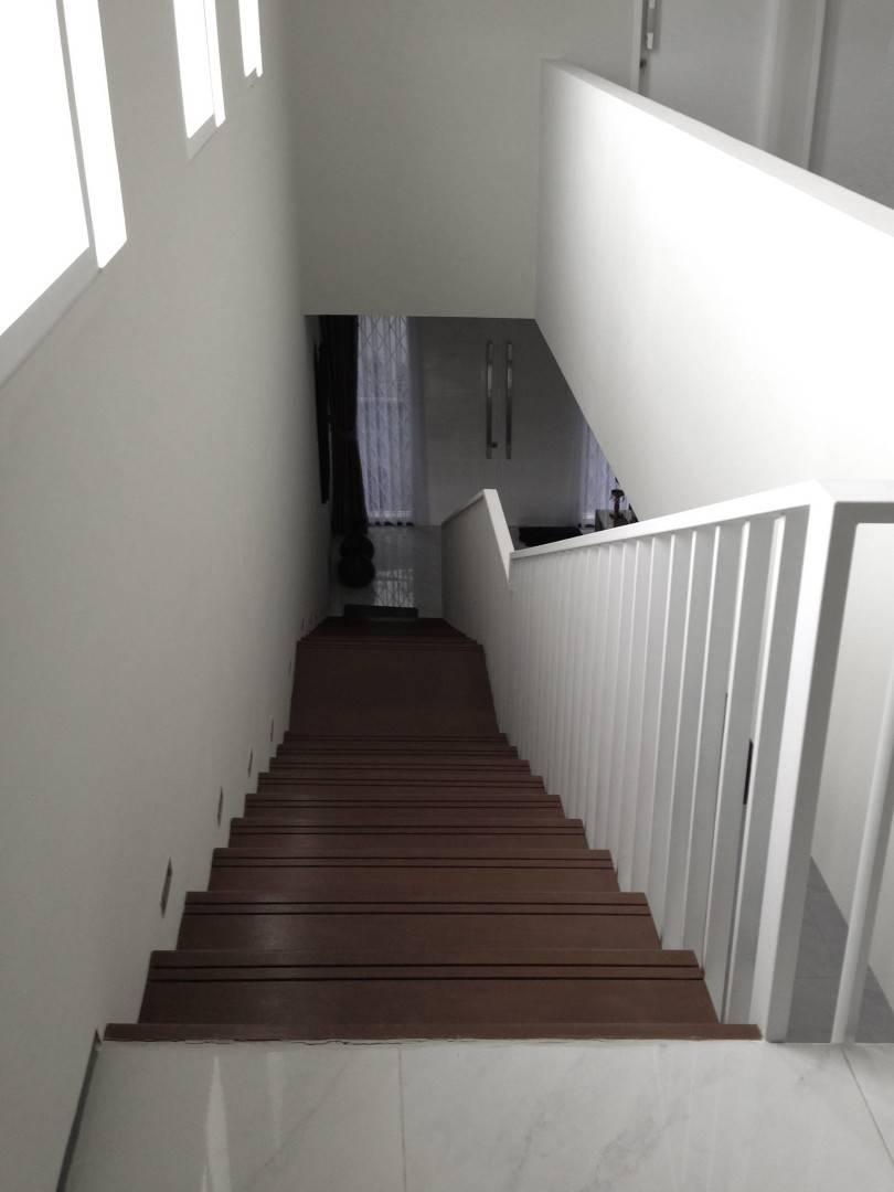 Ads Architect Cisitu House North Bandung, West Java, Indonesia North Bandung, West Java, Indonesia Staircase Modern  4261