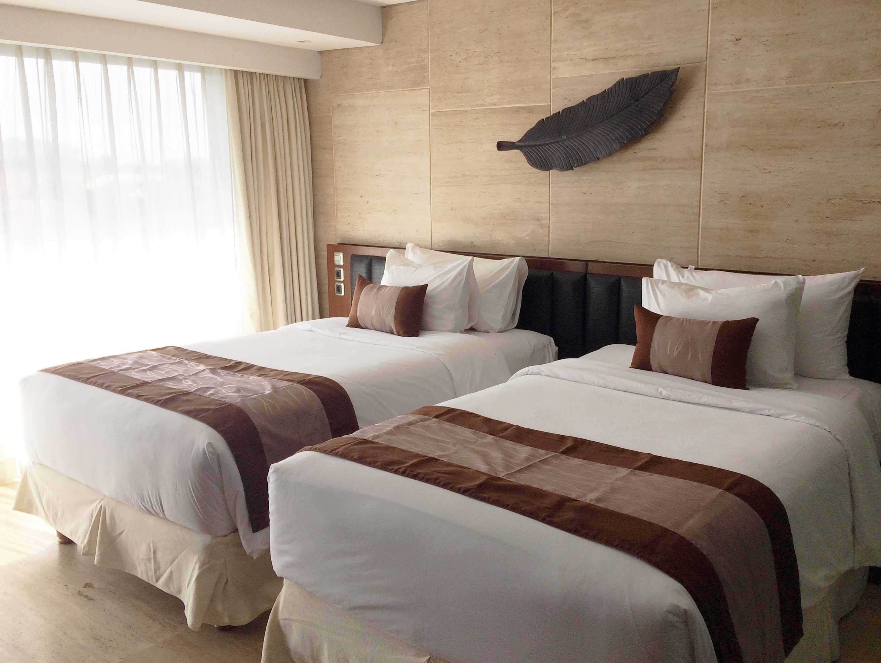Monokroma Architect Golden Tulip Devinz Skyvilla Seminyak, Bali Seminyak, Bali Twin Bed Room Modern  29934
