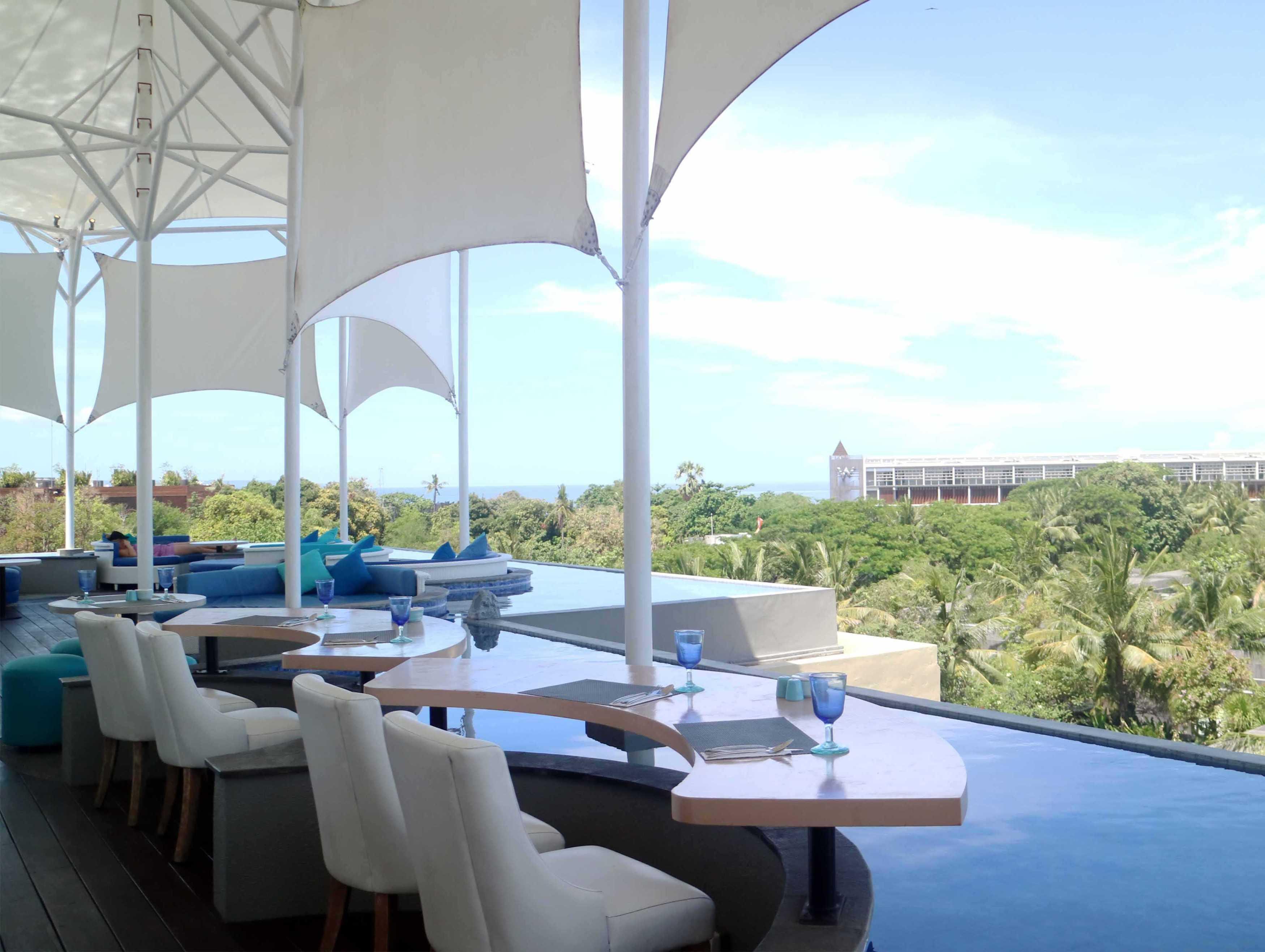 Monokroma Architect Golden Tulip Devinz Skyvilla Seminyak, Bali Seminyak, Bali Rooftop Restaurant Modern  29943