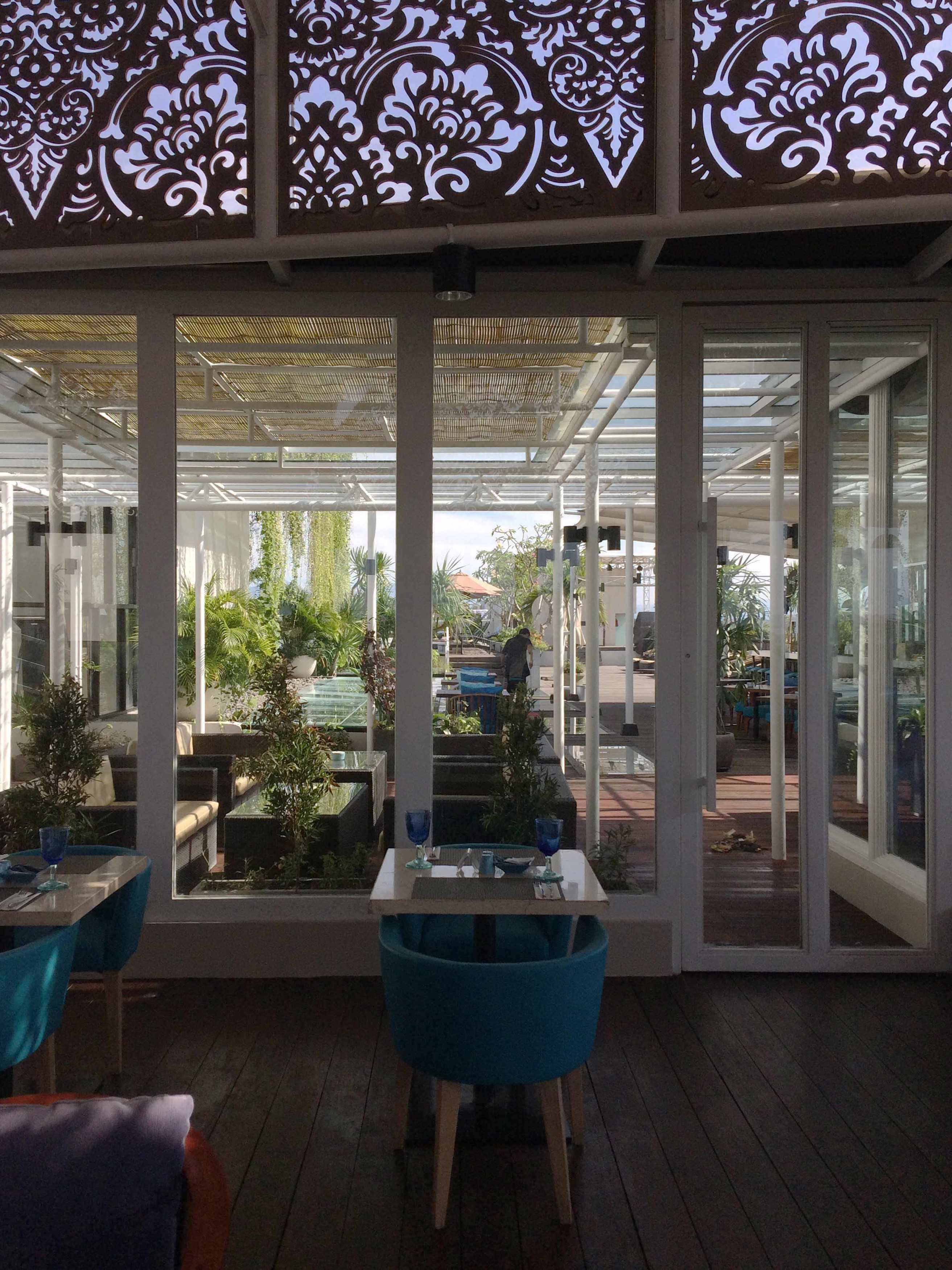 Monokroma Architect Golden Tulip Devinz Skyvilla Seminyak, Bali Seminyak, Bali Rooftop Restaurant Modern  29957