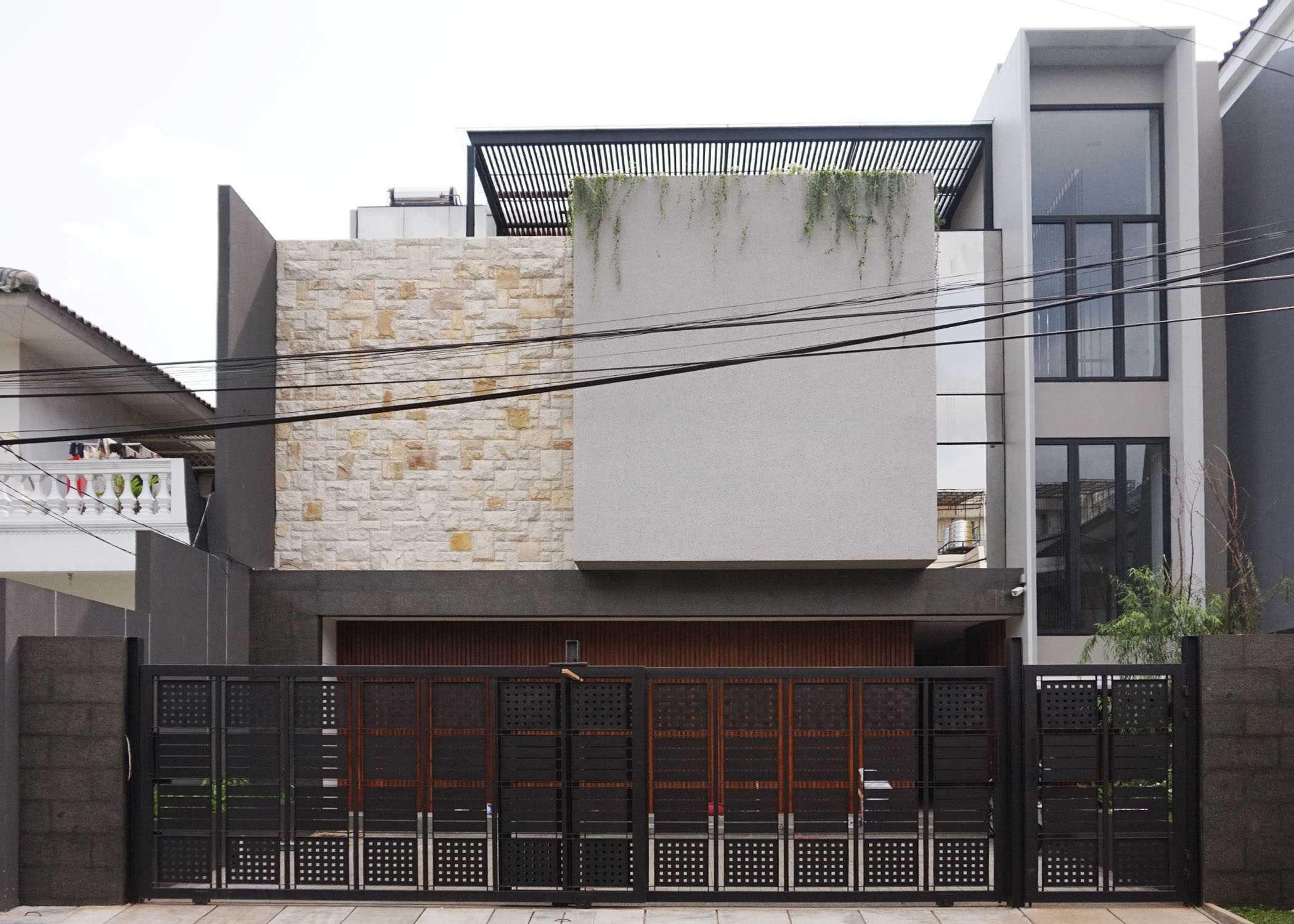Monokroma Architect Dicky House   1-Tampak-Depan Modern  33526