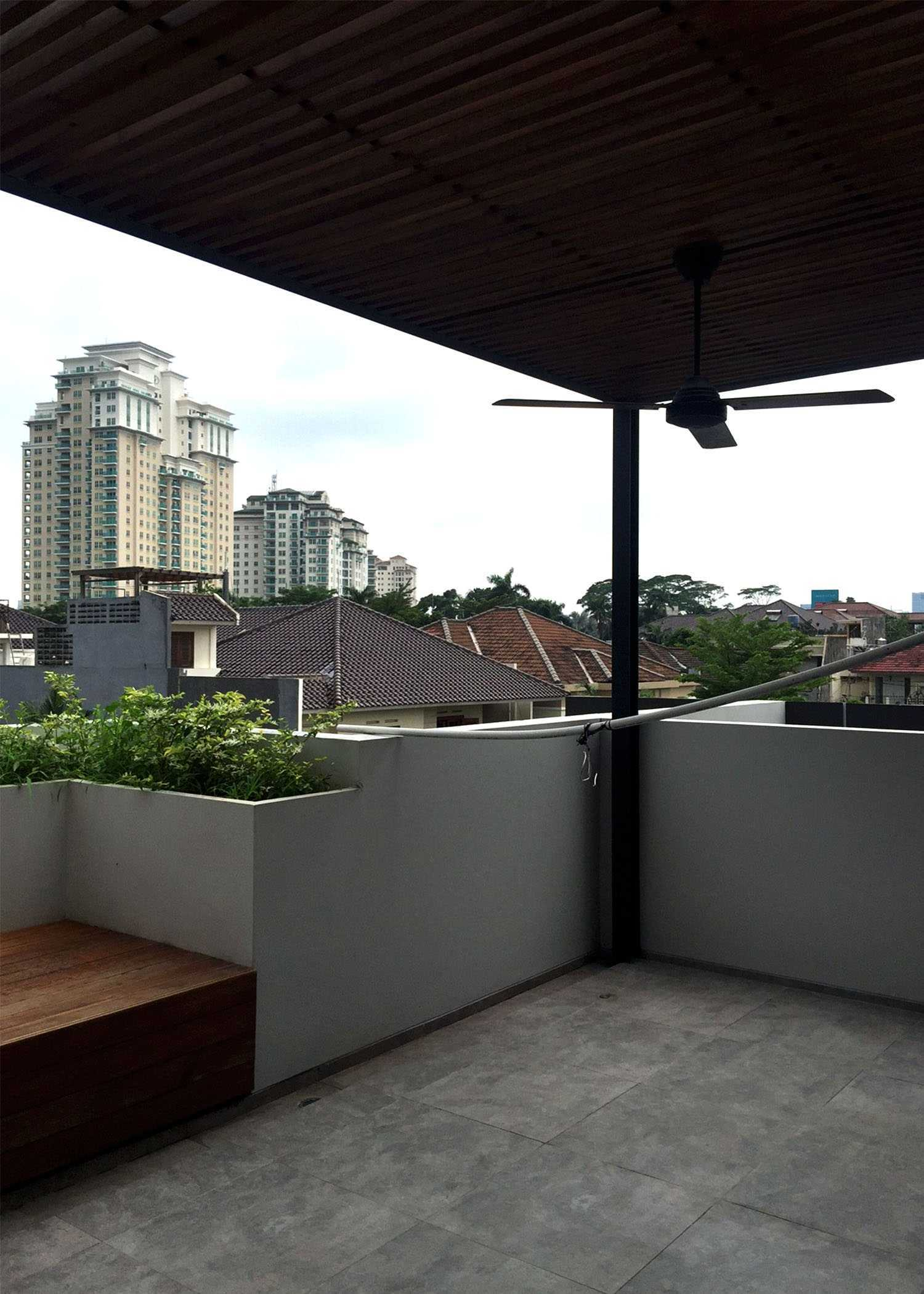 Monokroma Architect Dicky House   13-Rooftop Modern  33538