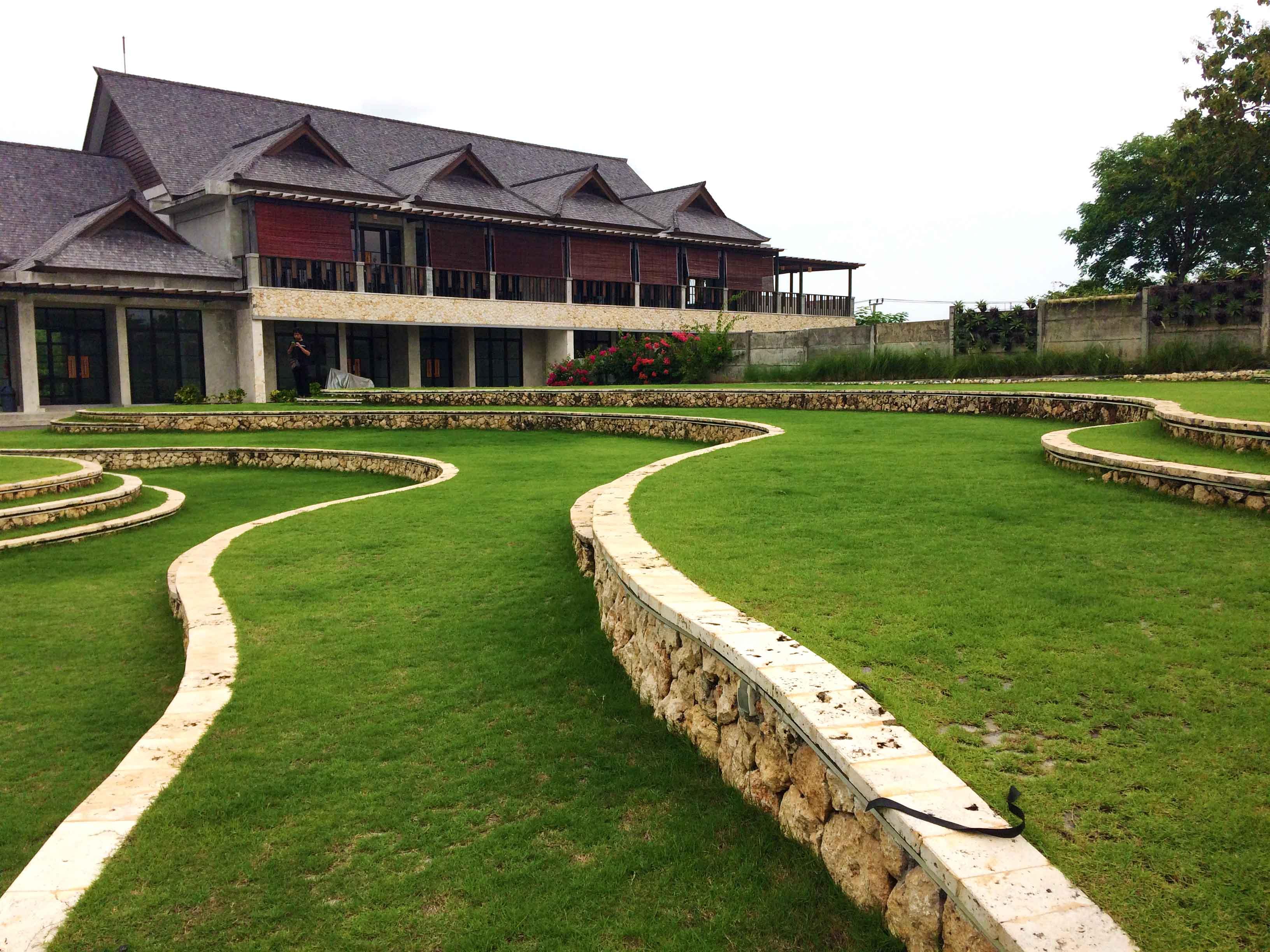 Monokroma Architect Jimbaran Hub Plaza Jimbaran, Kuta Sel., Kabupaten Badung, Bali, Indonesia Jimbaran, Kuta Sel., Kabupaten Badung, Bali, Indonesia Terracing Yard Tropis  38721