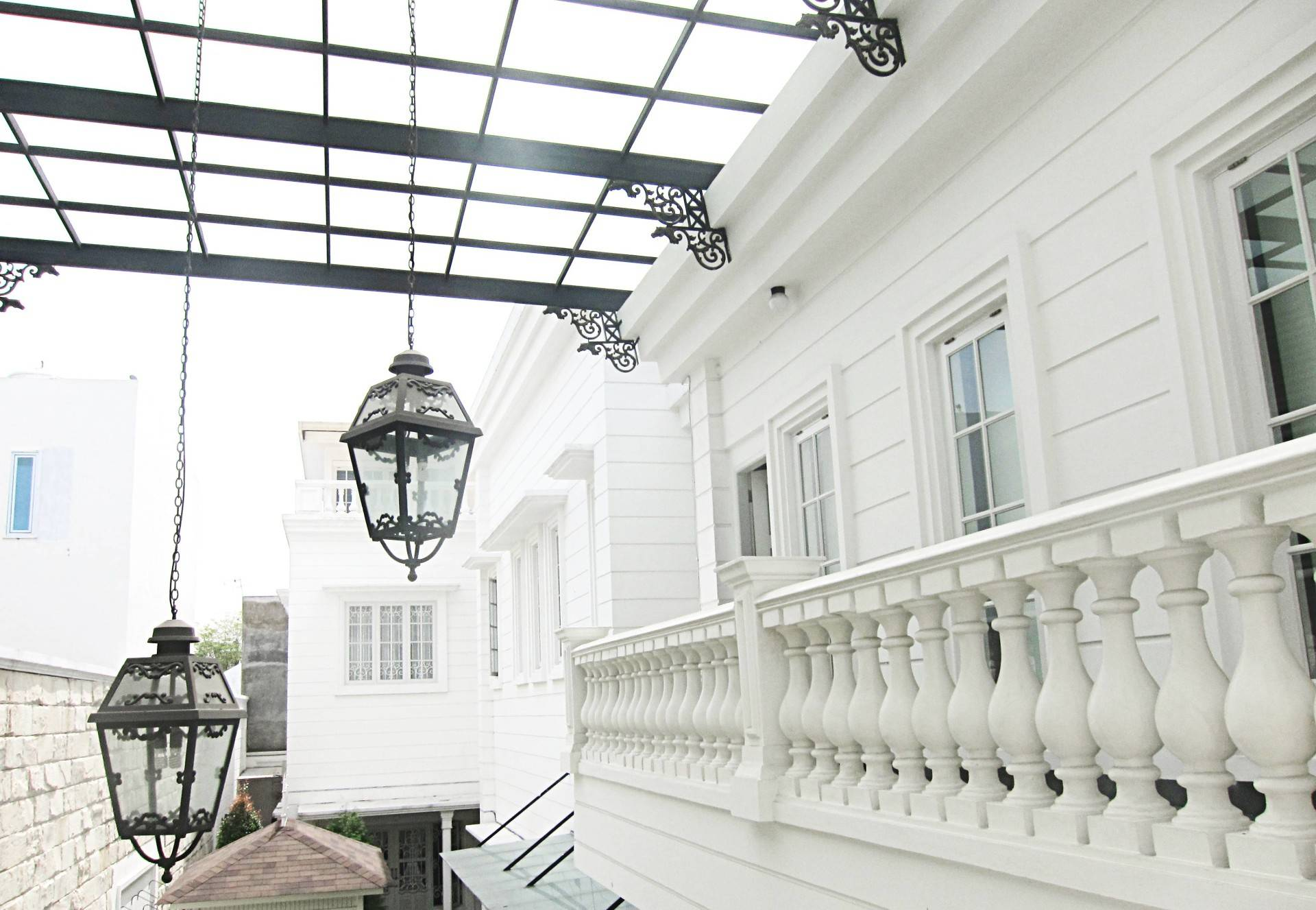 Emilia Oei Modern Collonial Medan, Indonesia Medan, Indonesia Balcony-Exterior Klasik  5404