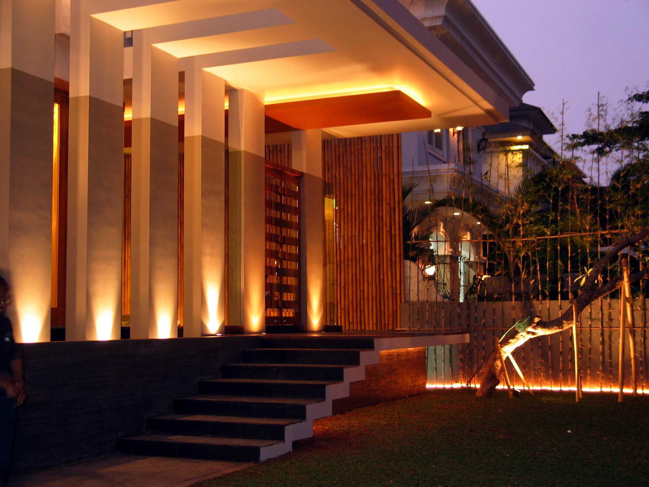 Herryj Architects Gv House Lippo Karawaci Lippo Karawaci Front Area Tropis  23924