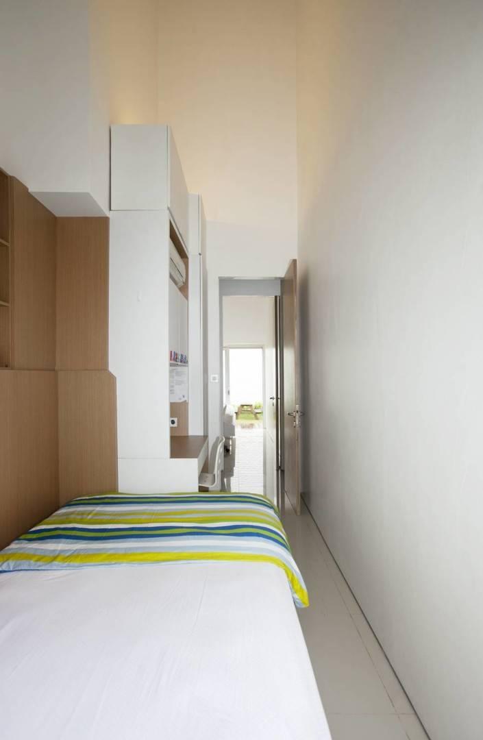 Sontang M Siregar Dj House Bengkulu, Indonesia Bengkulu, Indonesia Roolaway-Bed-4 Minimalis  6027