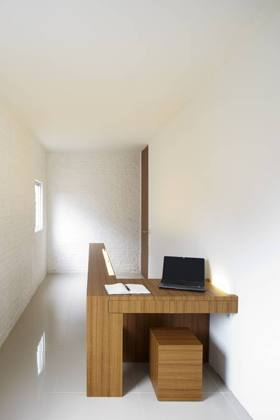 Sontang M Siregar Compact House  Jakarta, Indonesia Jakarta, Indonesia Workroom   6052