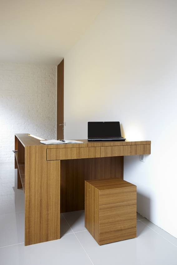 Sontang M Siregar Compact House  Jakarta, Indonesia Jakarta, Indonesia Workroom   6053