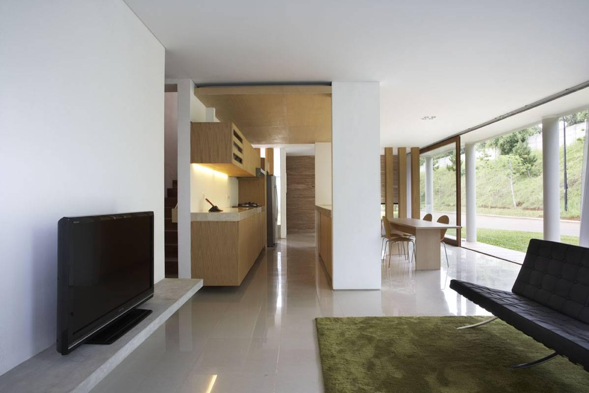 Sontang M Siregar House At Legenda Wisata Cibubur, Indonesia Cibubur, Indonesia Livingroom-2 Tropis  6064